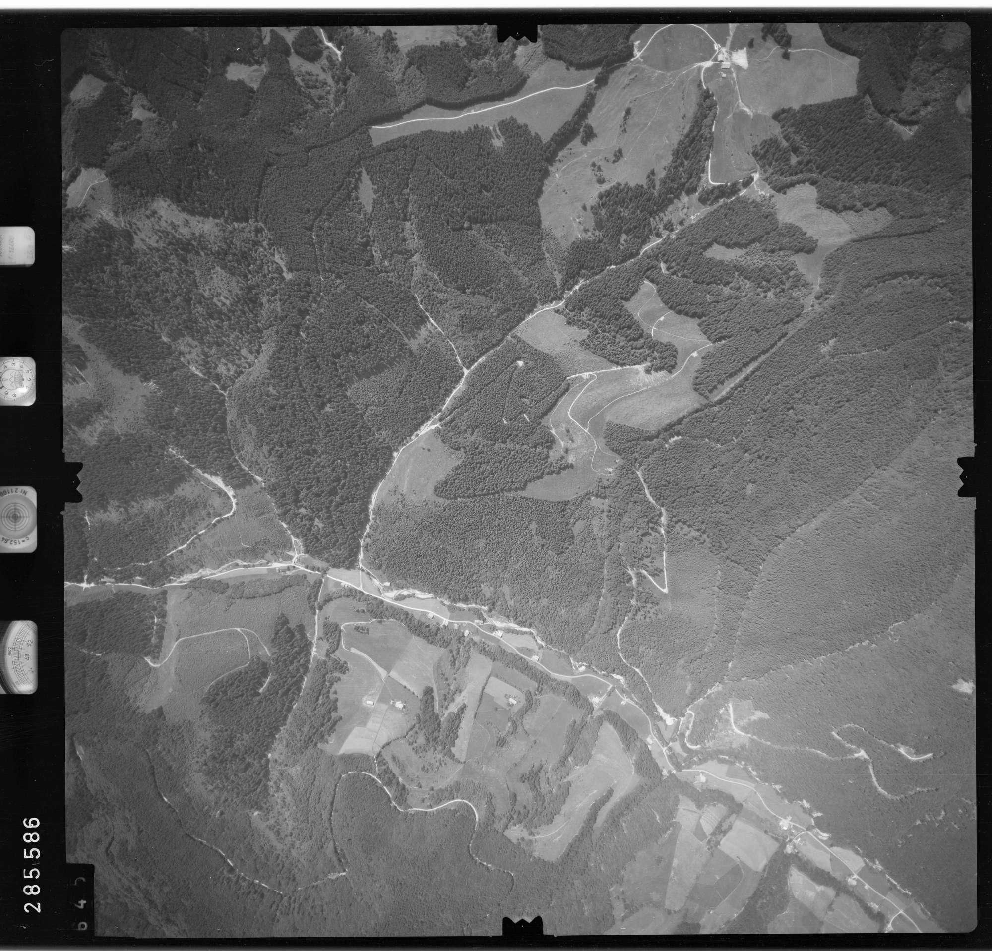 Luftbild: Film 76 Bildnr. 645, Bild 1