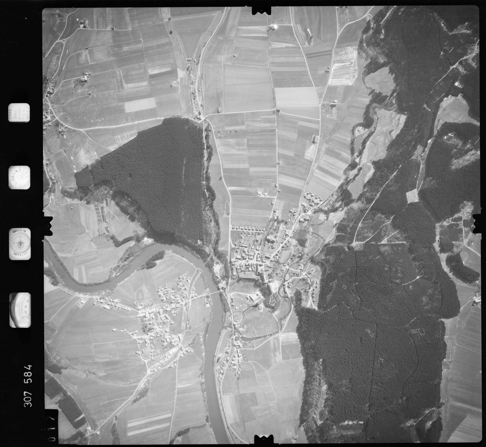Luftbild: Film 61 Bildnr. 17, Bild 1