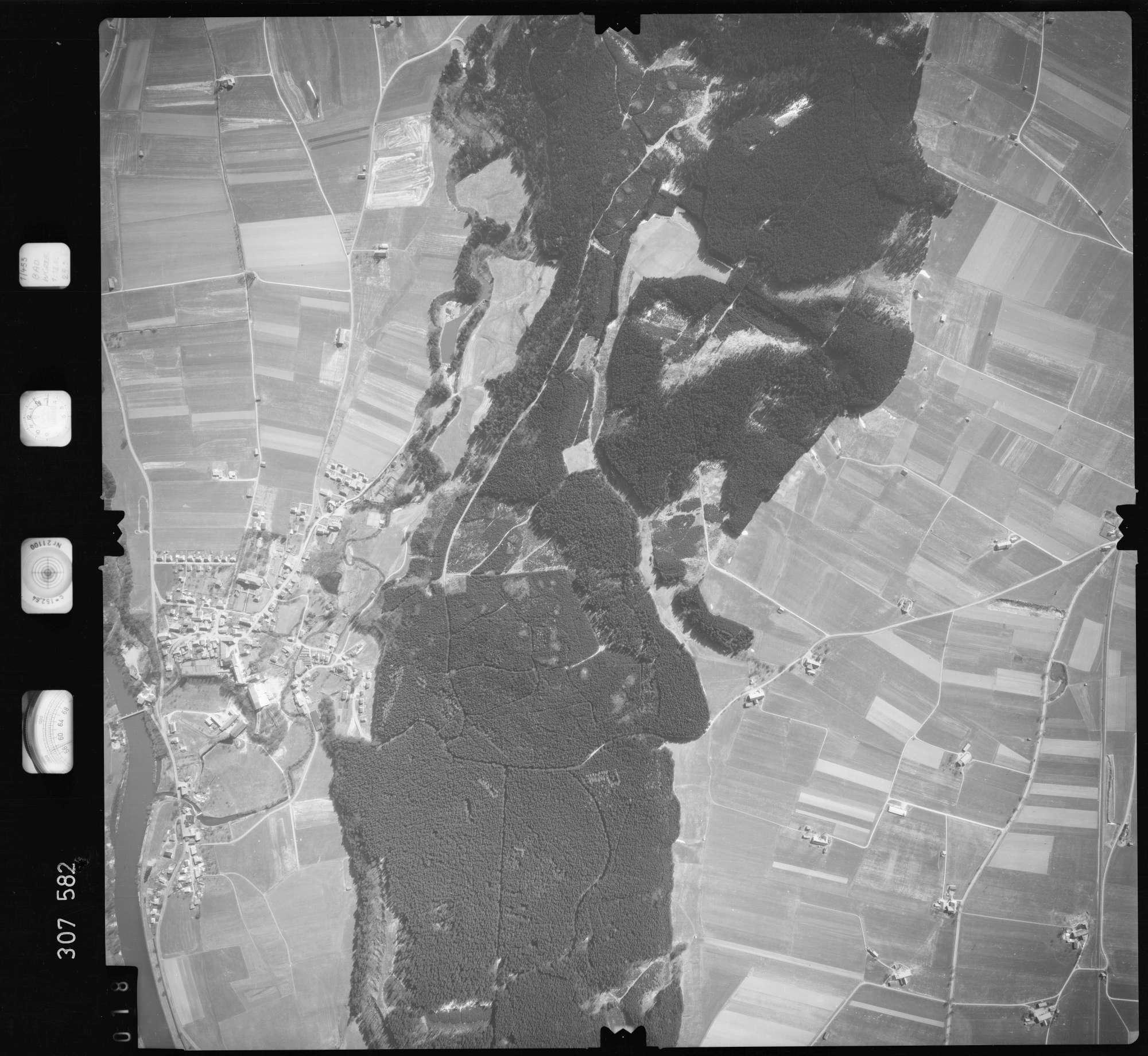 Luftbild: Film 61 Bildnr. 18, Bild 1