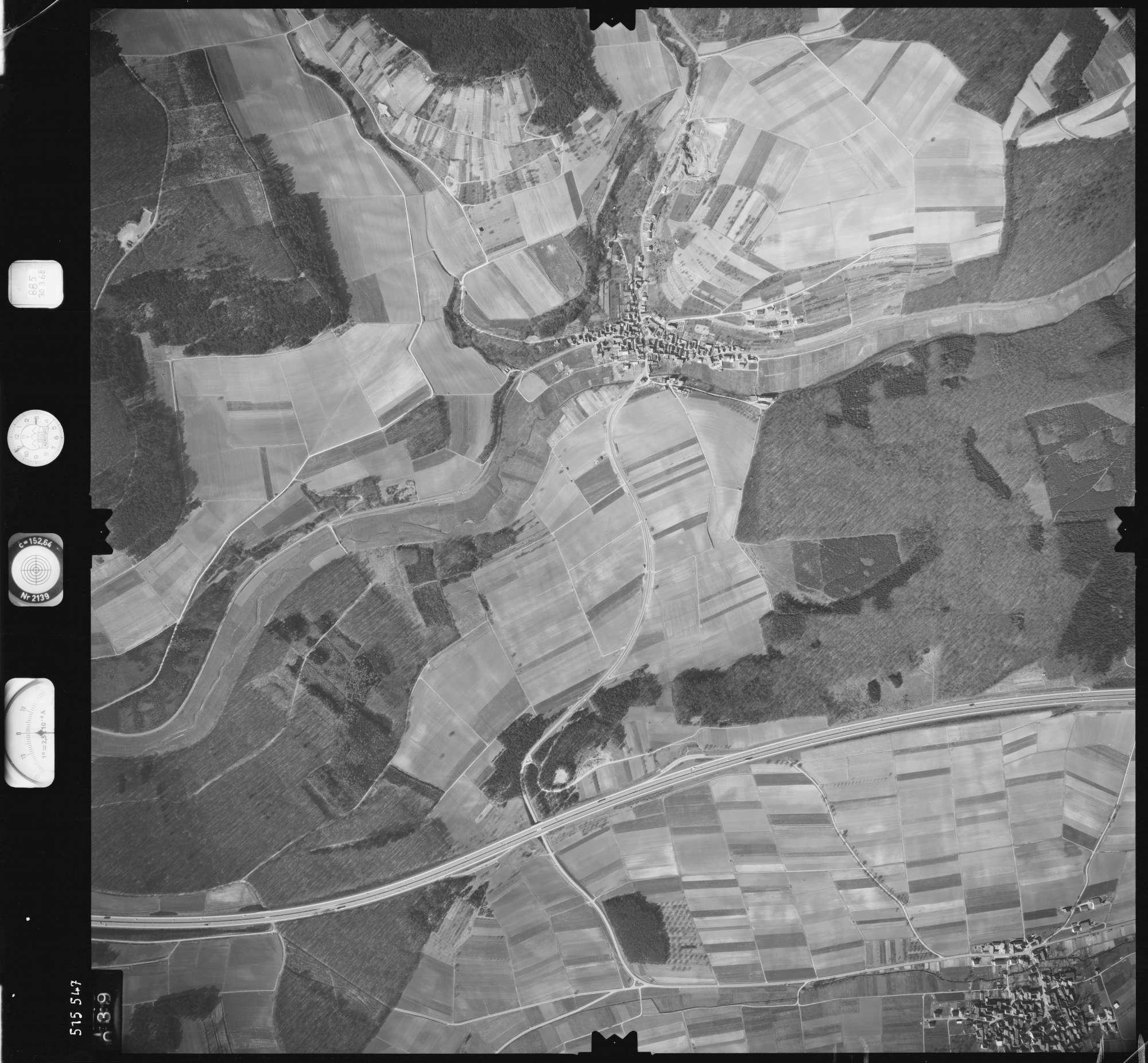 Luftbild: Film 885 Bildnr. 39, Bild 1