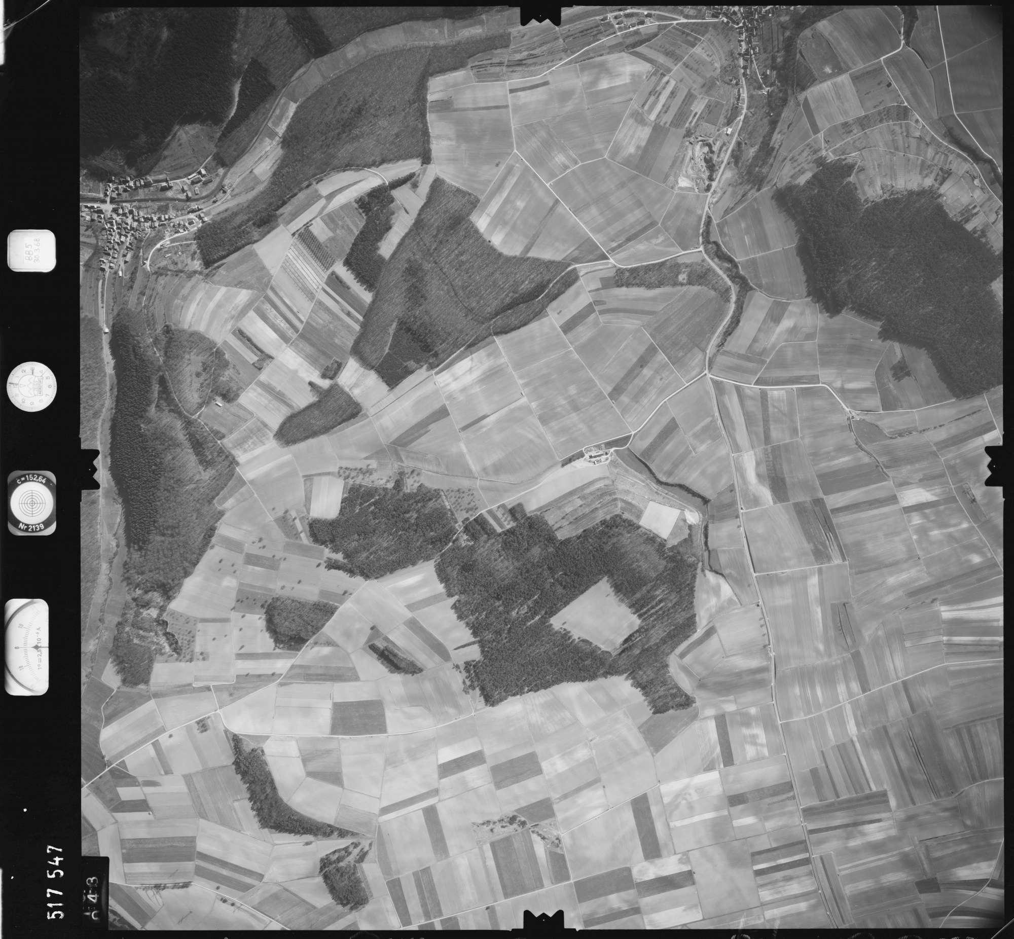 Luftbild: Film 885 Bildnr. 43, Bild 1