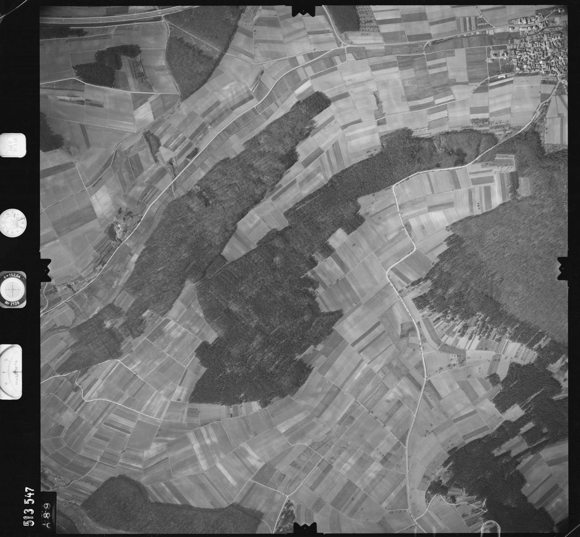 Luftbild: Film 885 Bildnr. 89, Bild 1