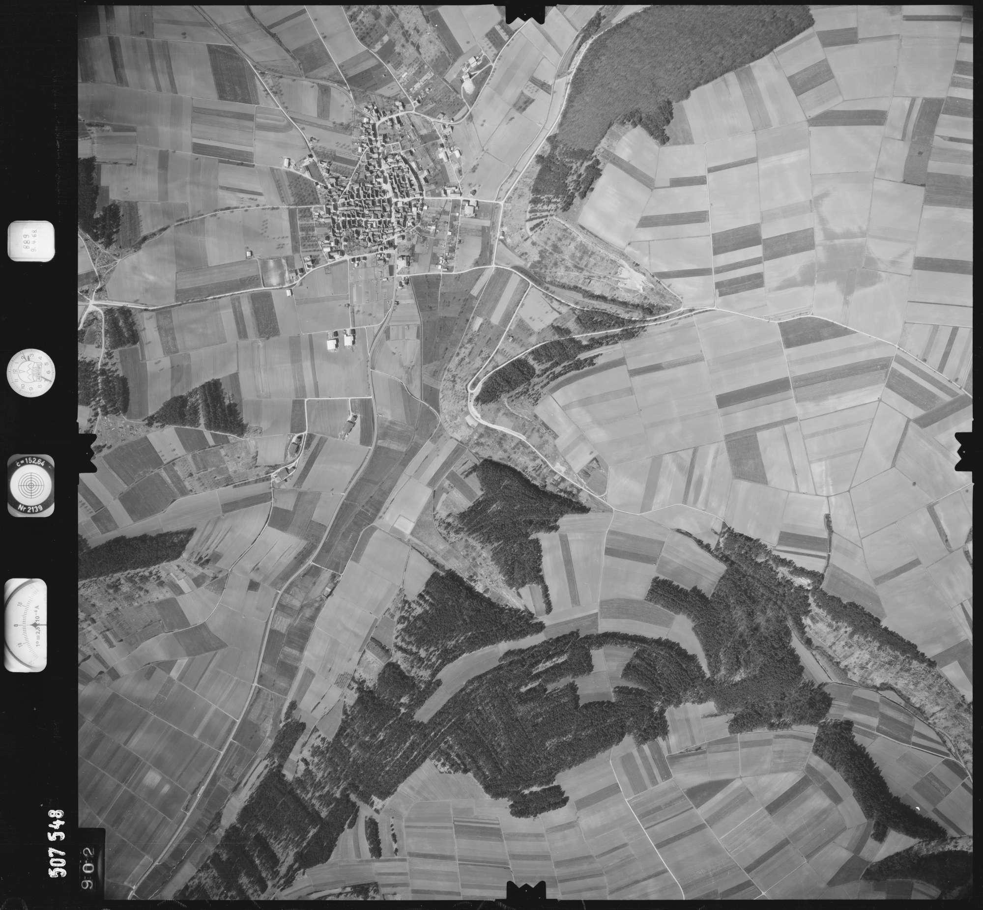 Luftbild: Film 890 Bildnr. 902, Bild 1