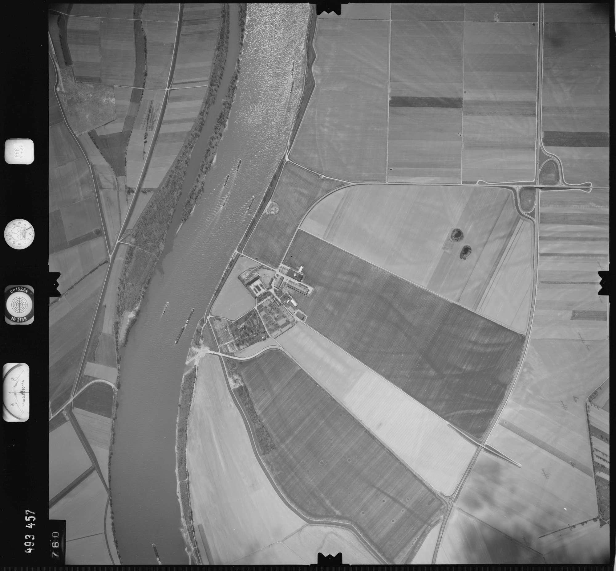 Luftbild: Film 888 Bildnr. 760, Bild 1