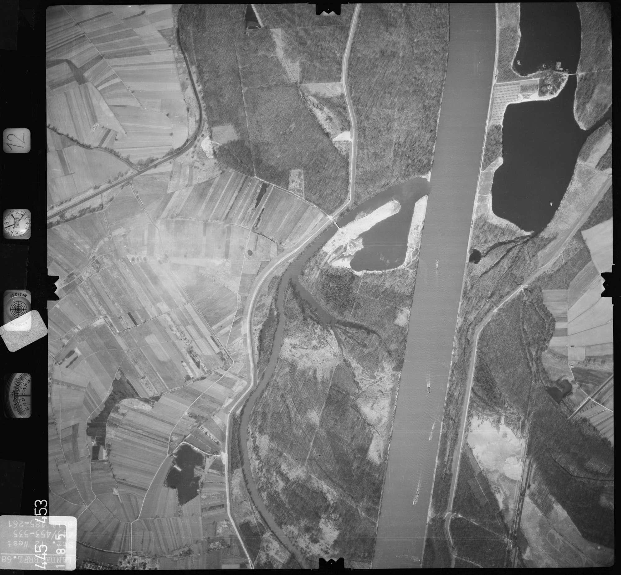 Luftbild: Film 12 Bildnr. 185, Bild 1