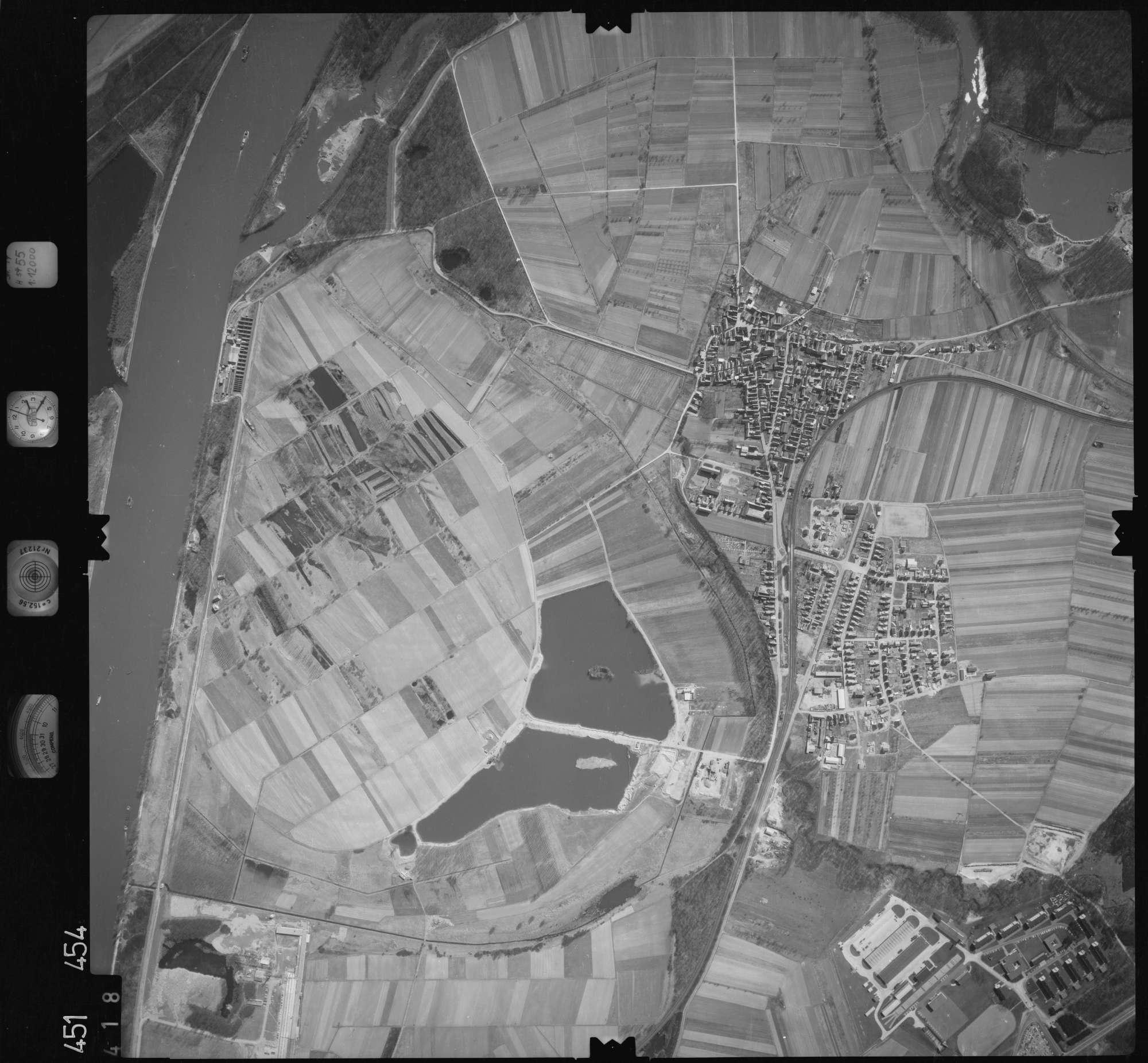 Luftbild: Film 15 Bildnr. 418, Bild 1