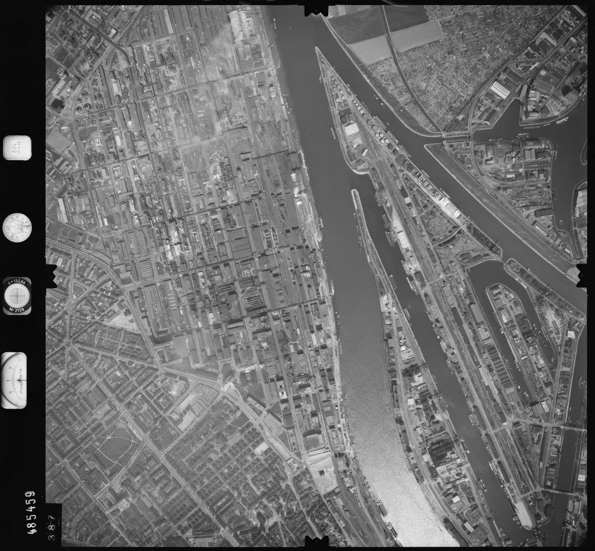 Luftbild: Film 896 Bildnr. 387, Bild 1