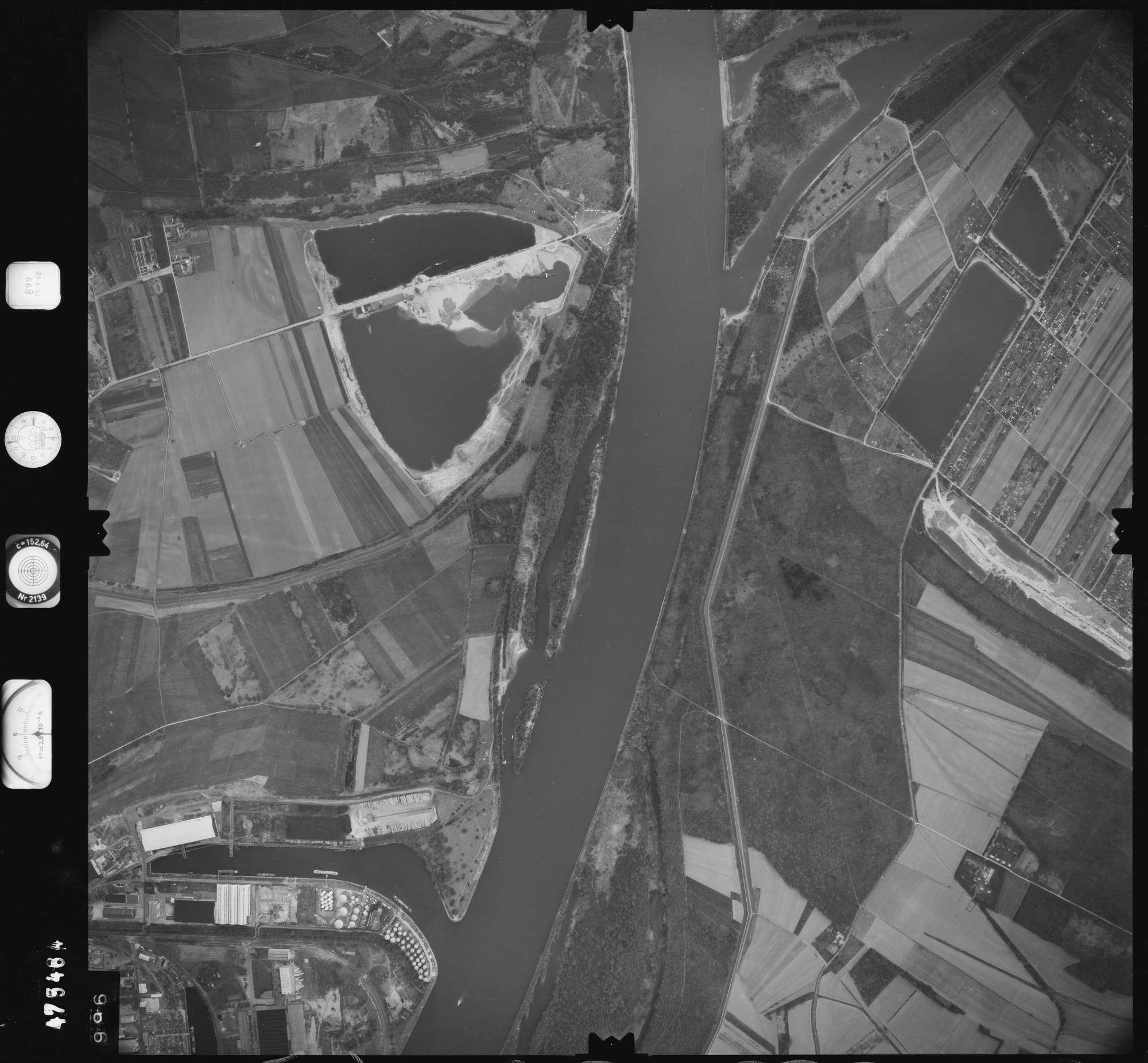 Luftbild: Film 899 Bildnr. 996, Bild 1