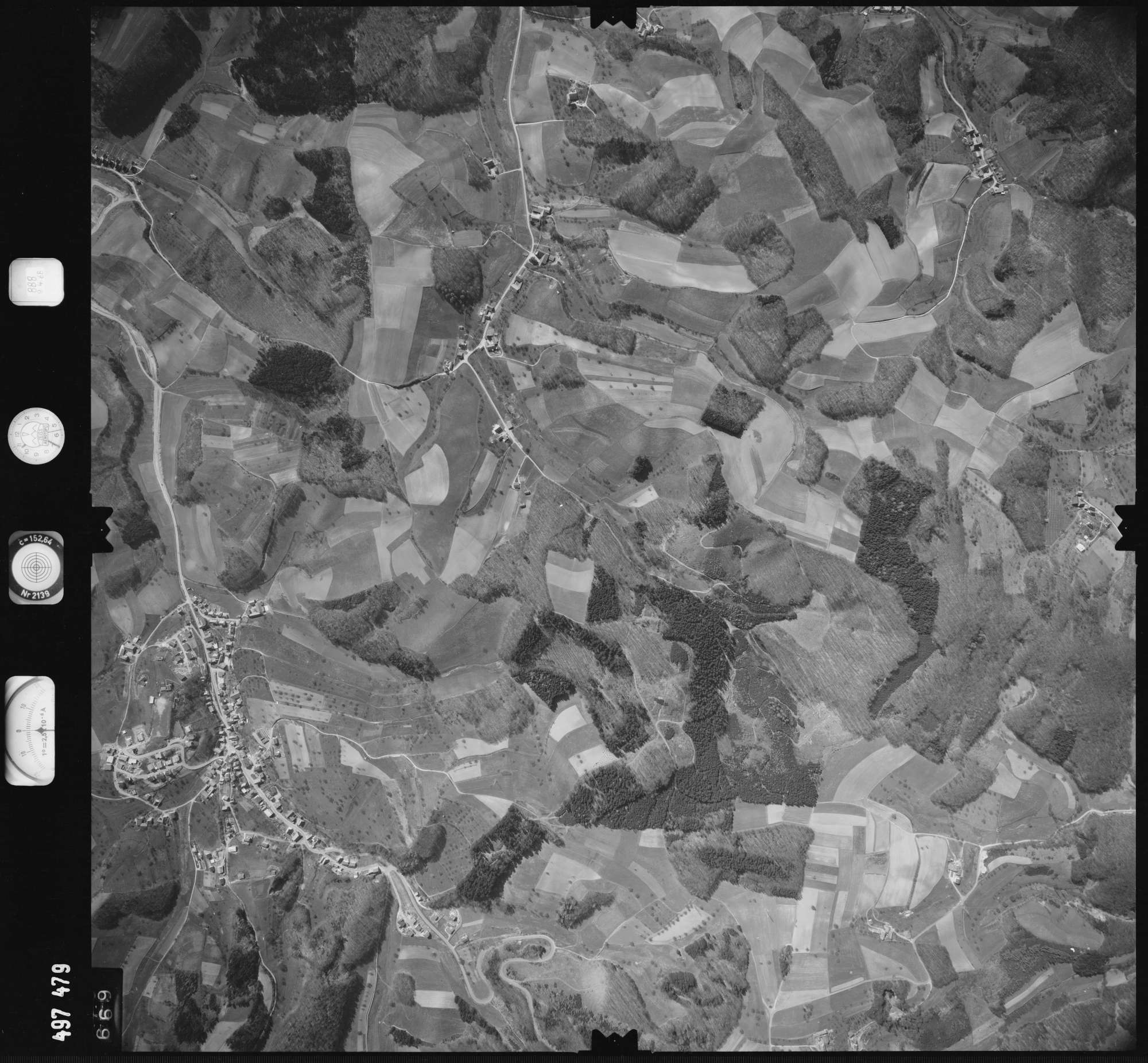 Luftbild: Film 888 Bildnr. 669, Bild 1