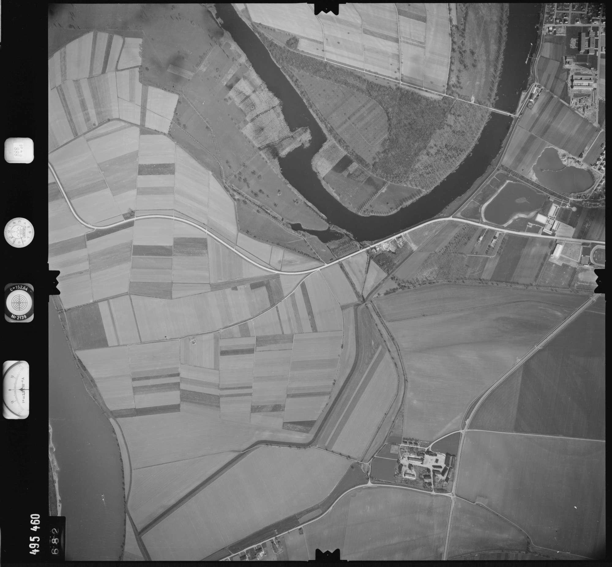 Luftbild: Film 888 Bildnr. 682, Bild 1