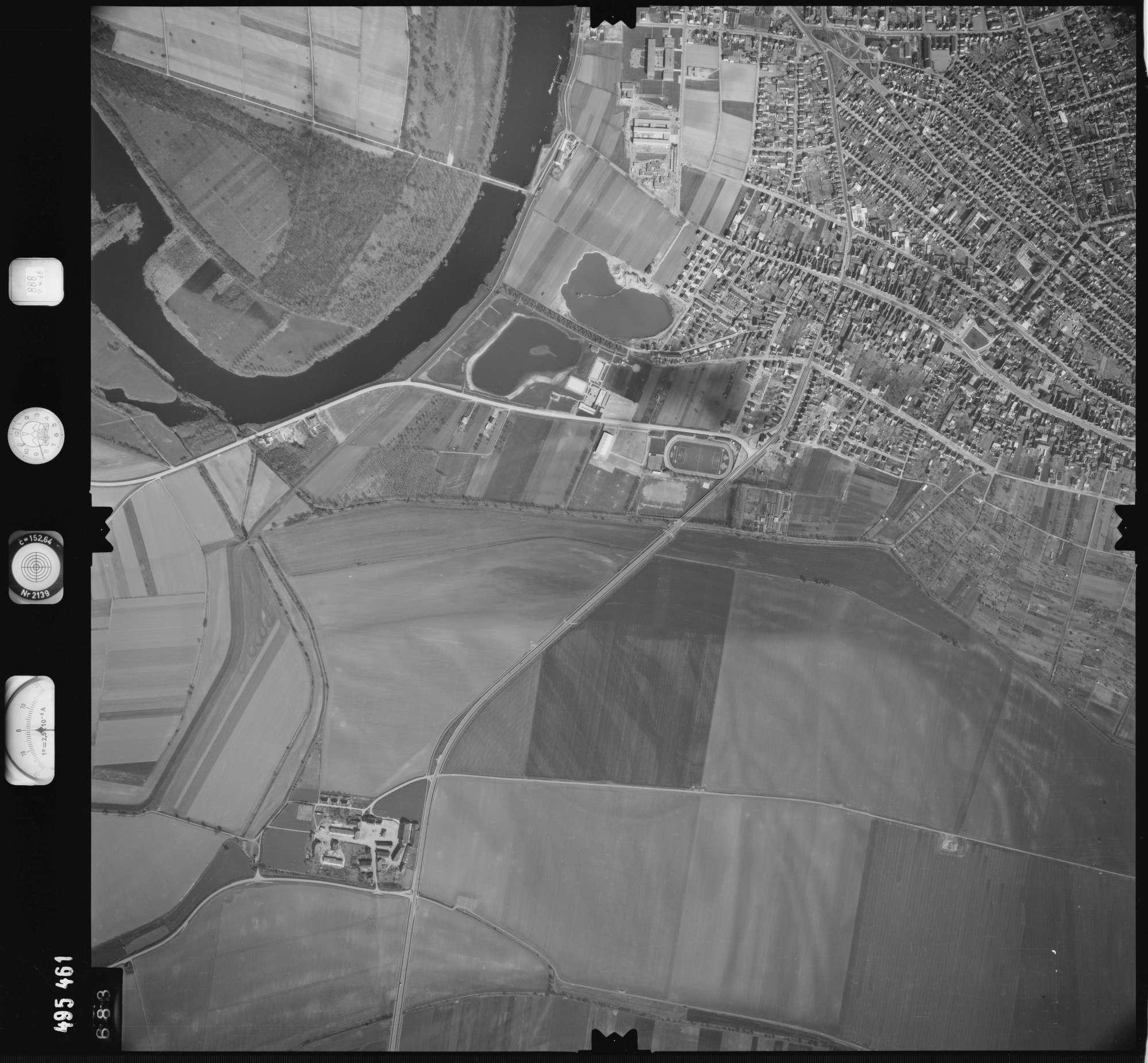 Luftbild: Film 888 Bildnr. 683, Bild 1