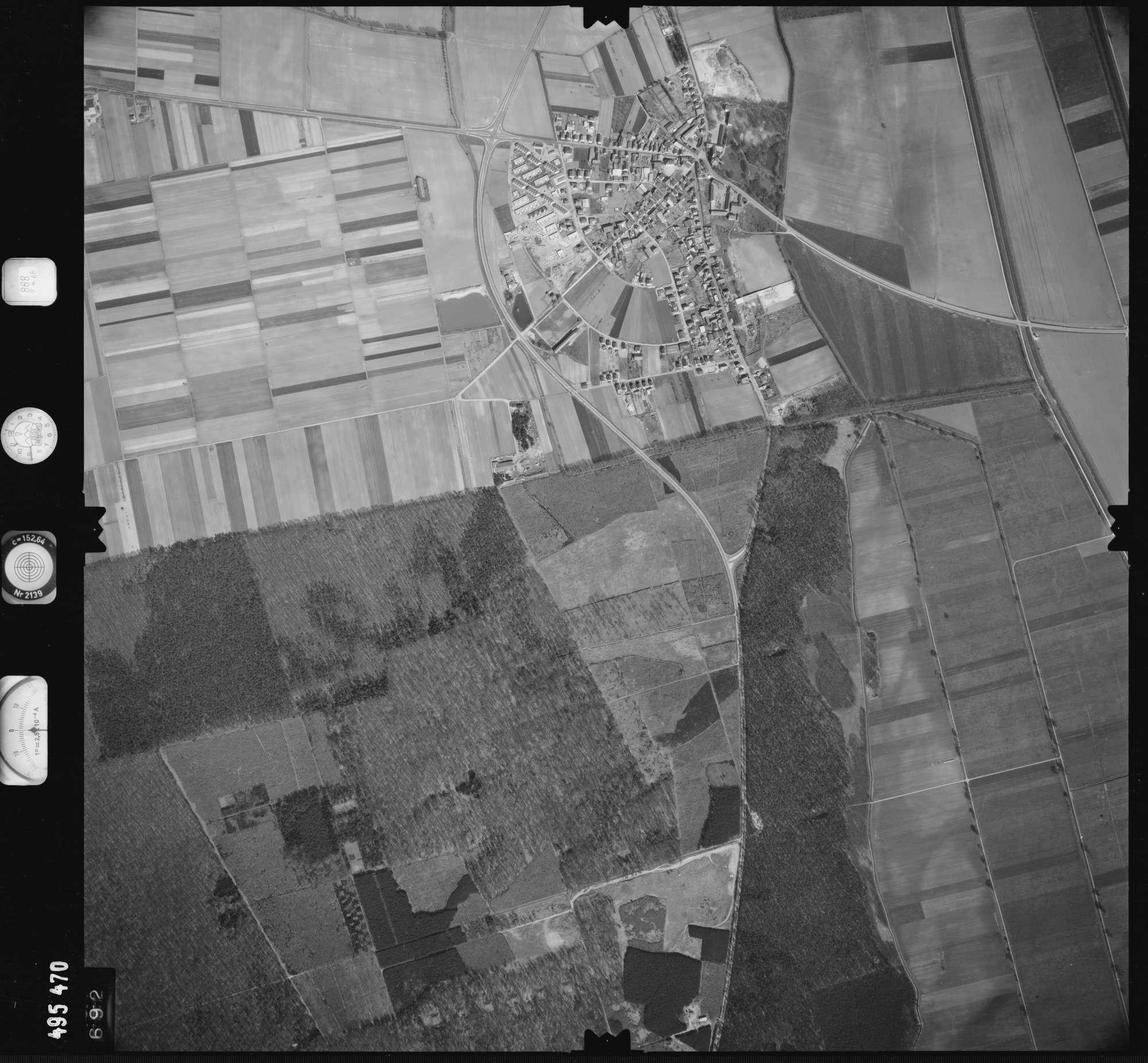 Luftbild: Film 888 Bildnr. 692, Bild 1