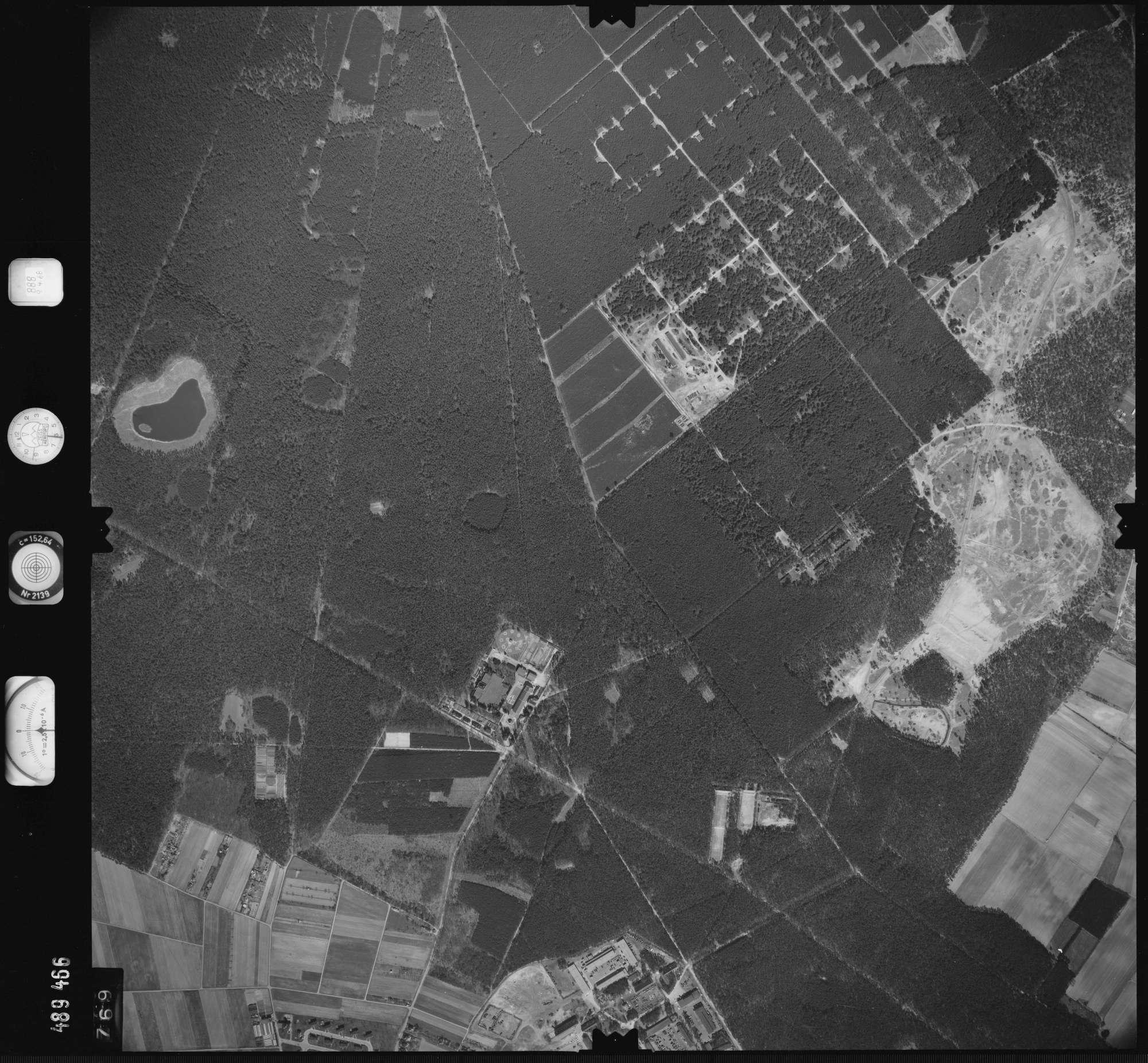 Luftbild: Film 888 Bildnr. 769, Bild 1