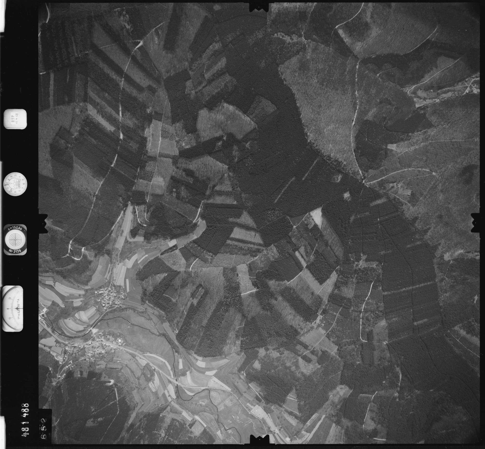 Luftbild: Film 897 Bildnr. 652, Bild 1