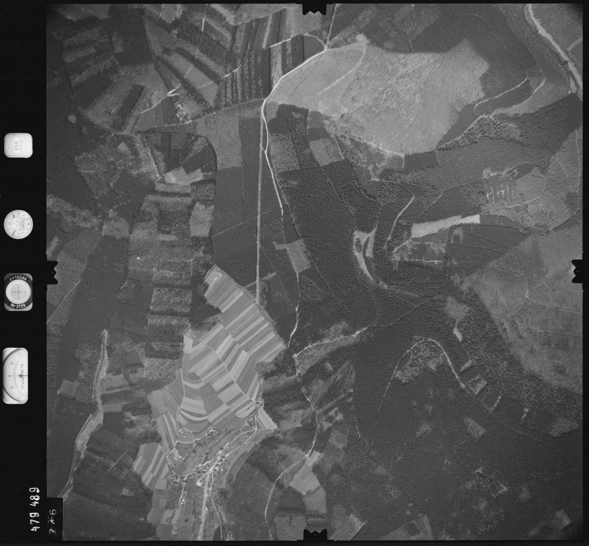 Luftbild: Film 898 Bildnr. 746, Bild 1