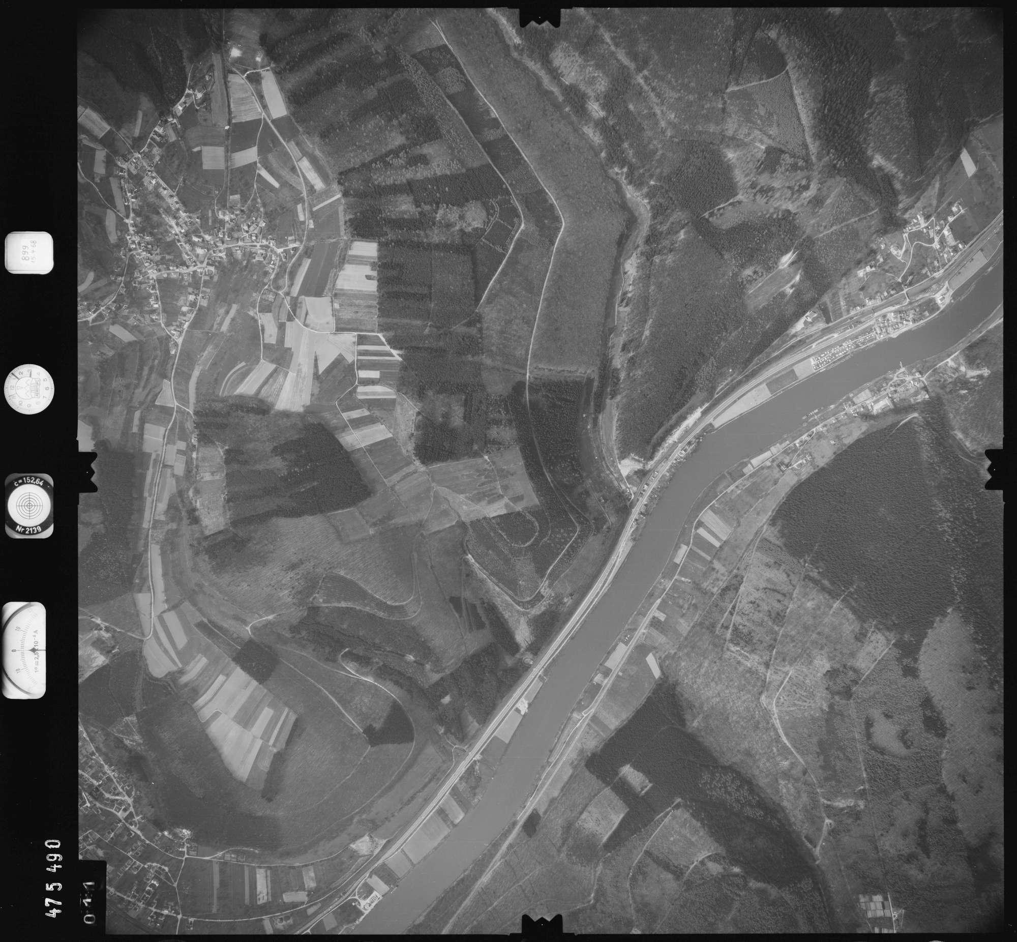 Luftbild: Film 899 Bildnr. 11, Bild 1