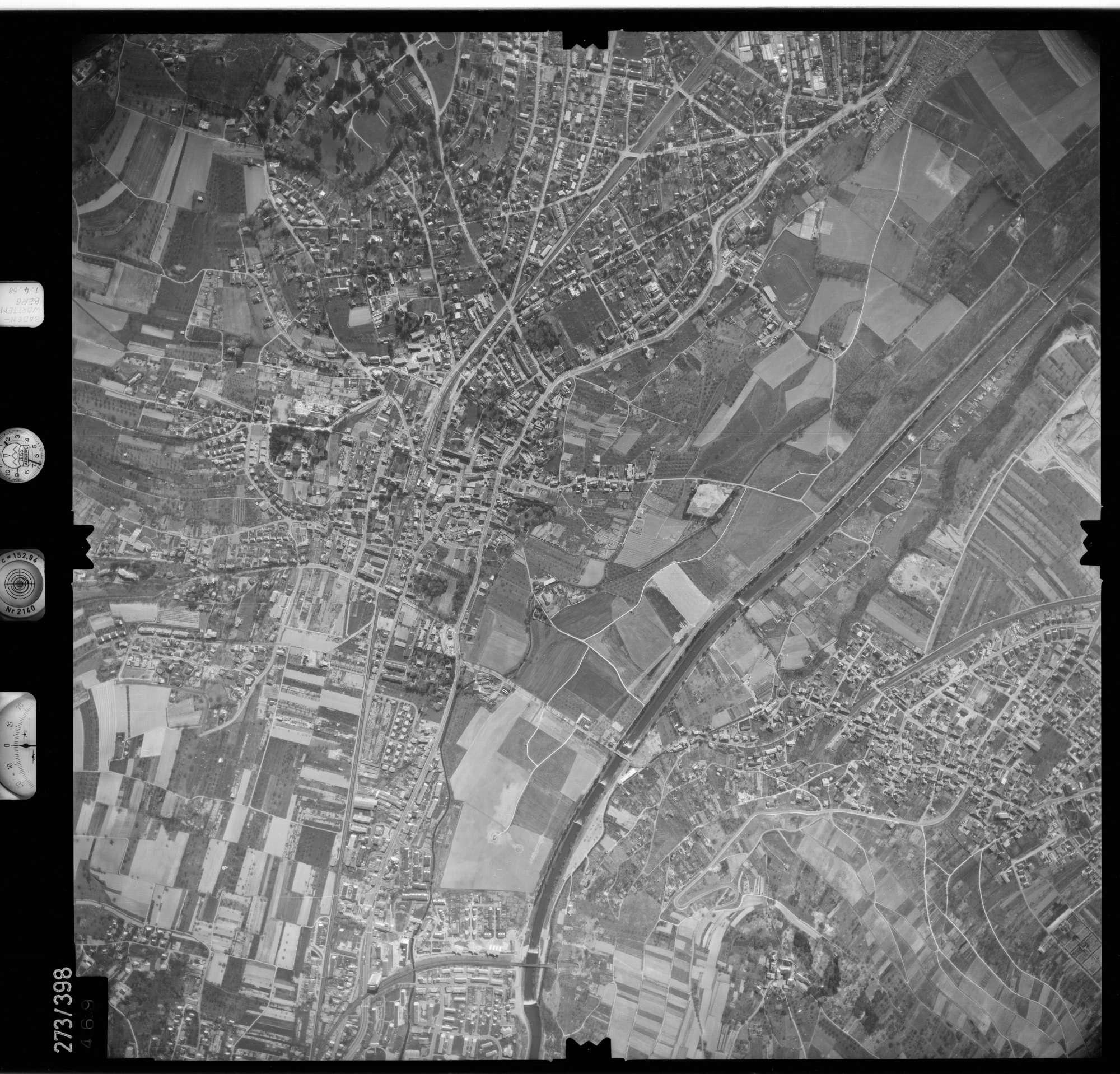 Luftbild: Film 81 Bildnr. 469, Bild 1