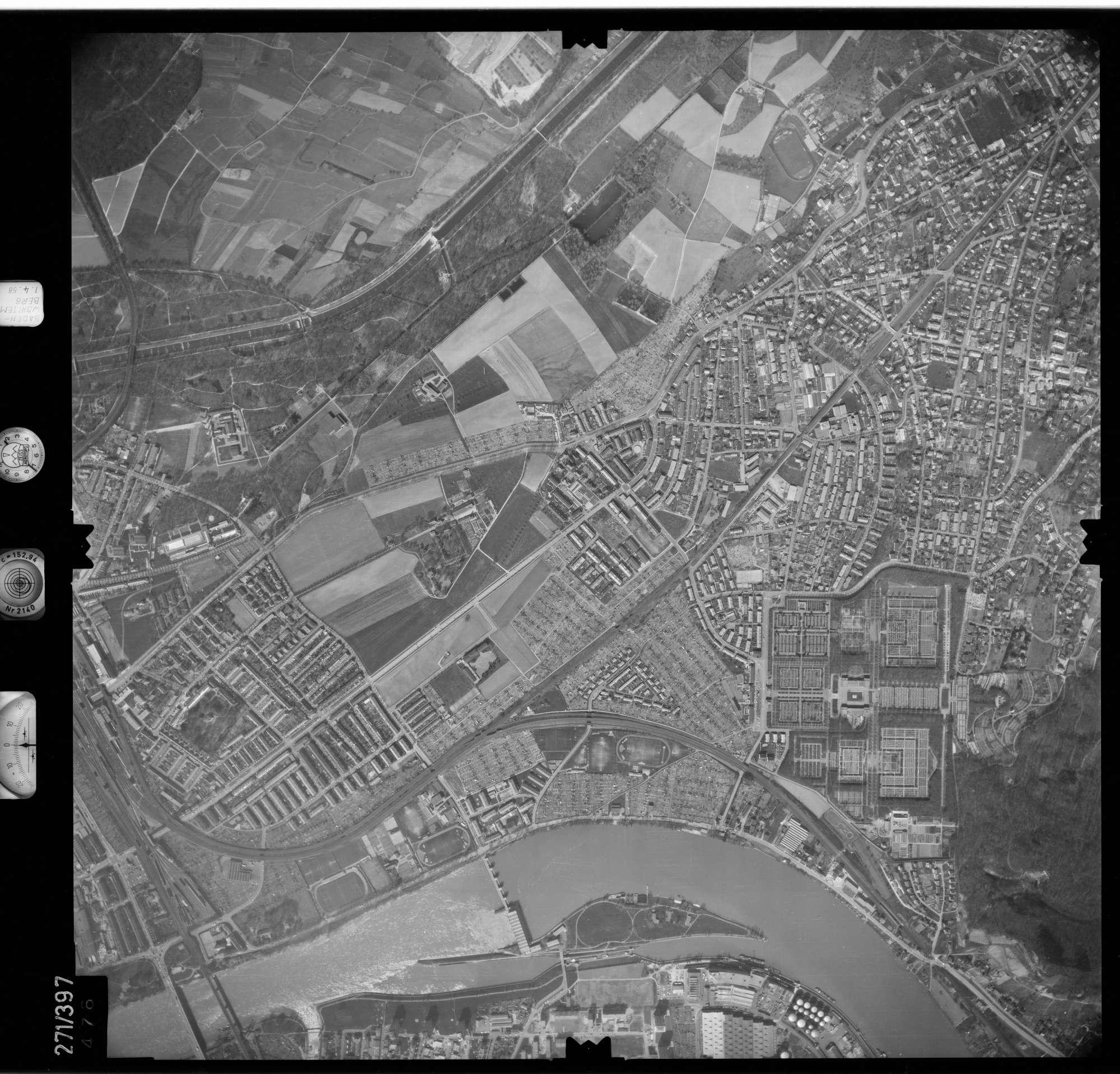Luftbild: Film 81 Bildnr. 476, Bild 1