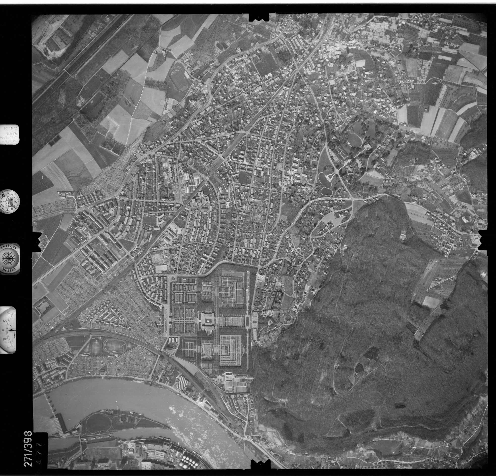 Luftbild: Film 81 Bildnr. 477, Bild 1