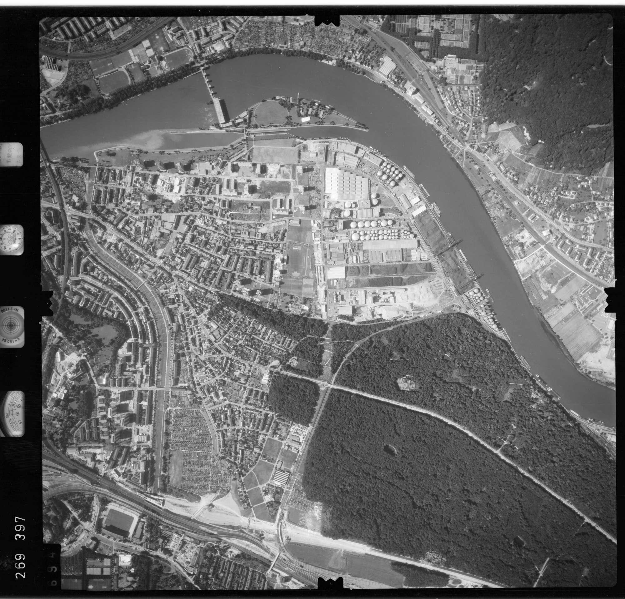Luftbild: Film 77 Bildnr. 694, Bild 1