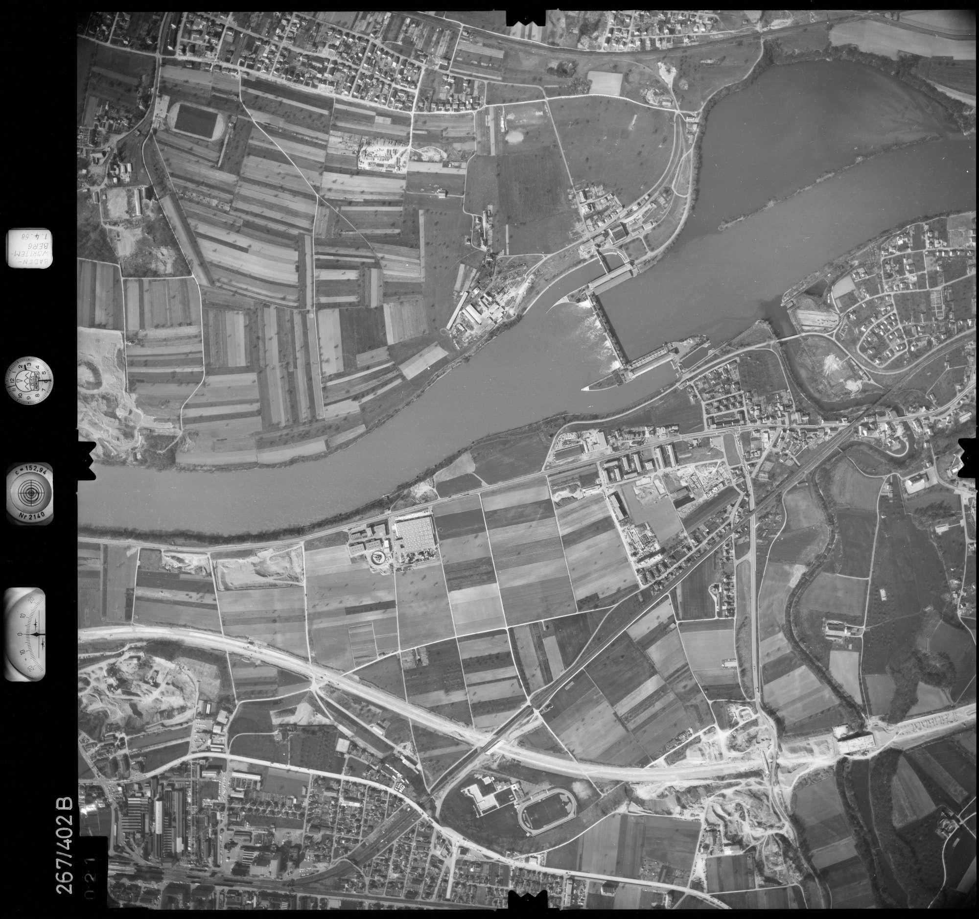 Luftbild: Film 83 Bildnr. 21, Bild 1