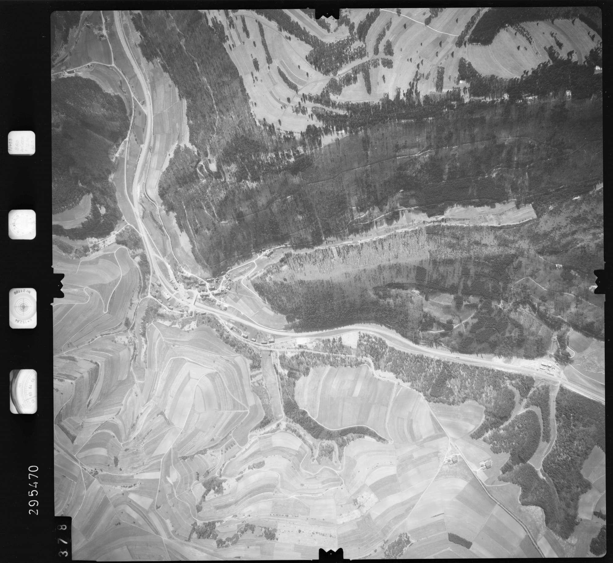 Luftbild: Film 69 Bildnr. 378, Bild 1