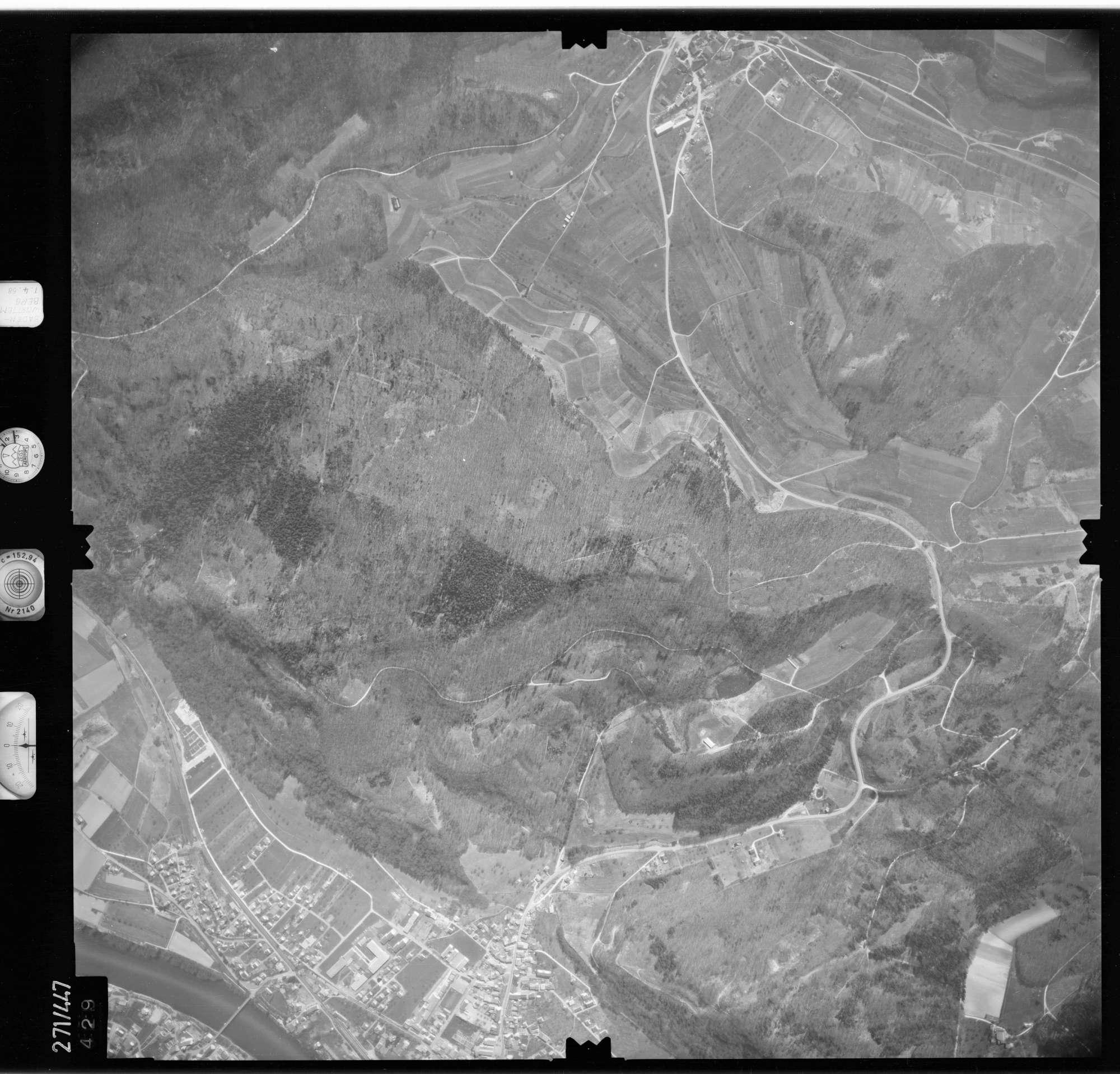 Luftbild: Film 81 Bildnr. 429, Bild 1