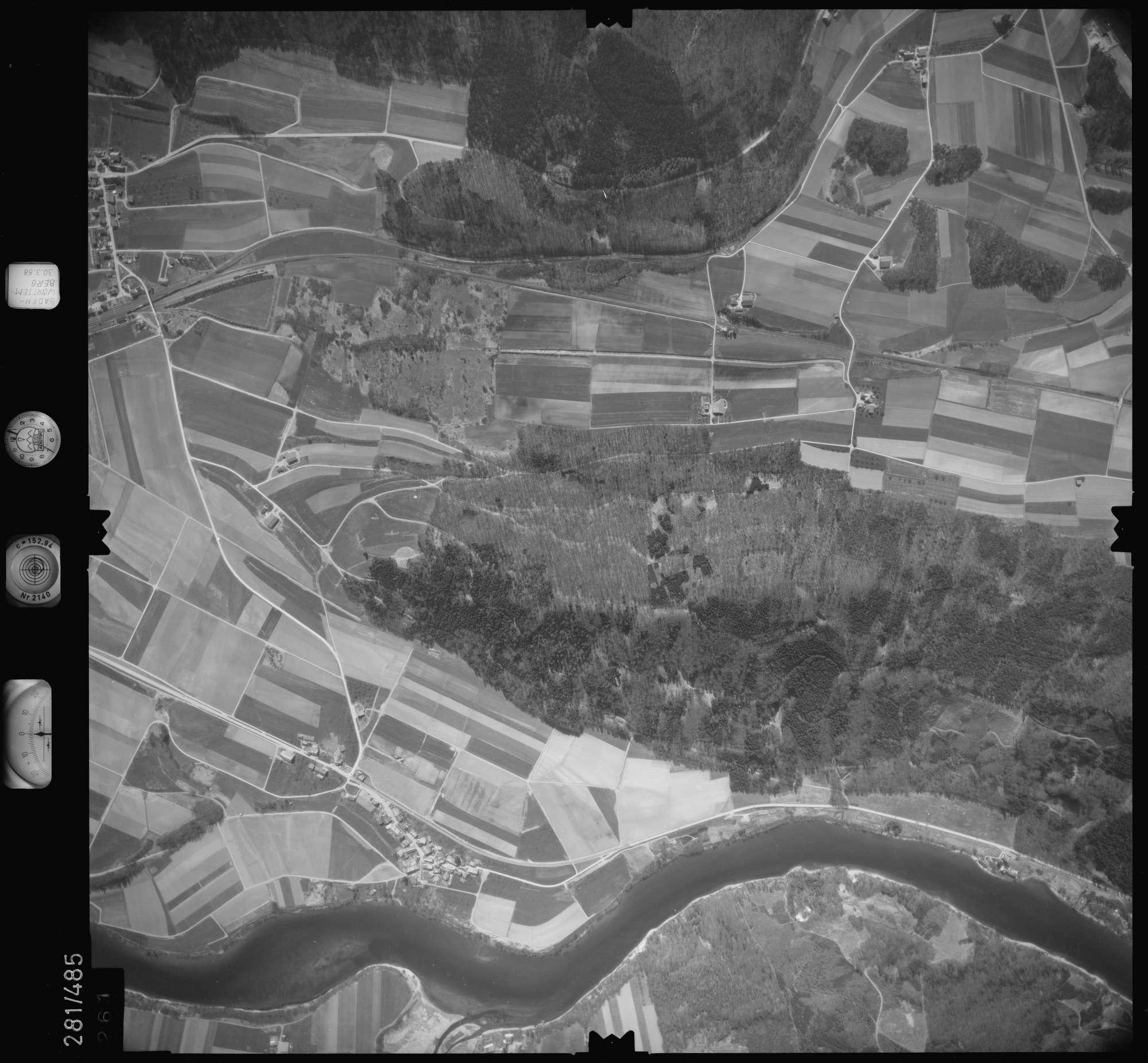 Luftbild: Film 27 Bildnr. 261, Bild 1