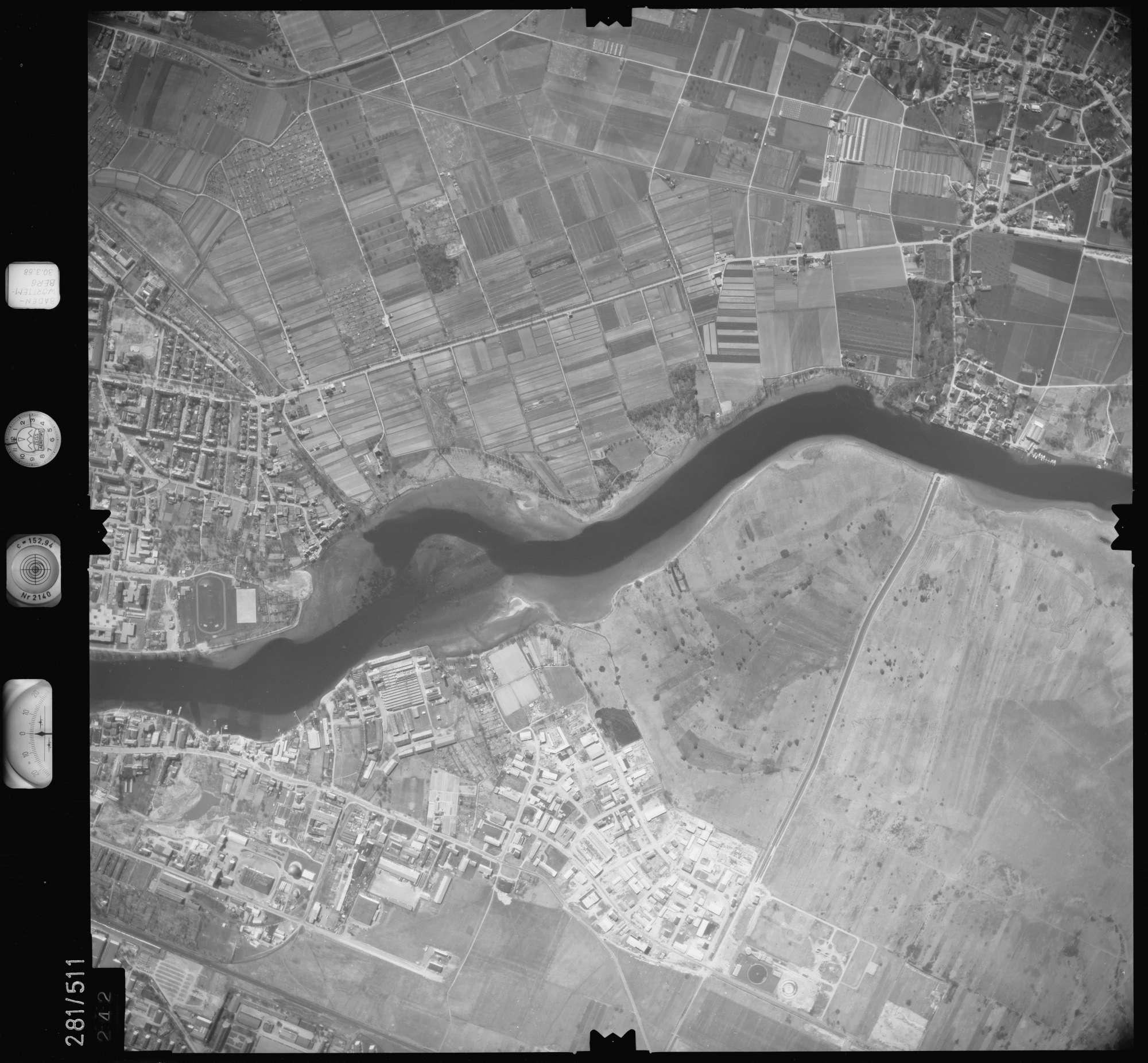 Luftbild: Film 27 Bildnr. 242, Bild 1