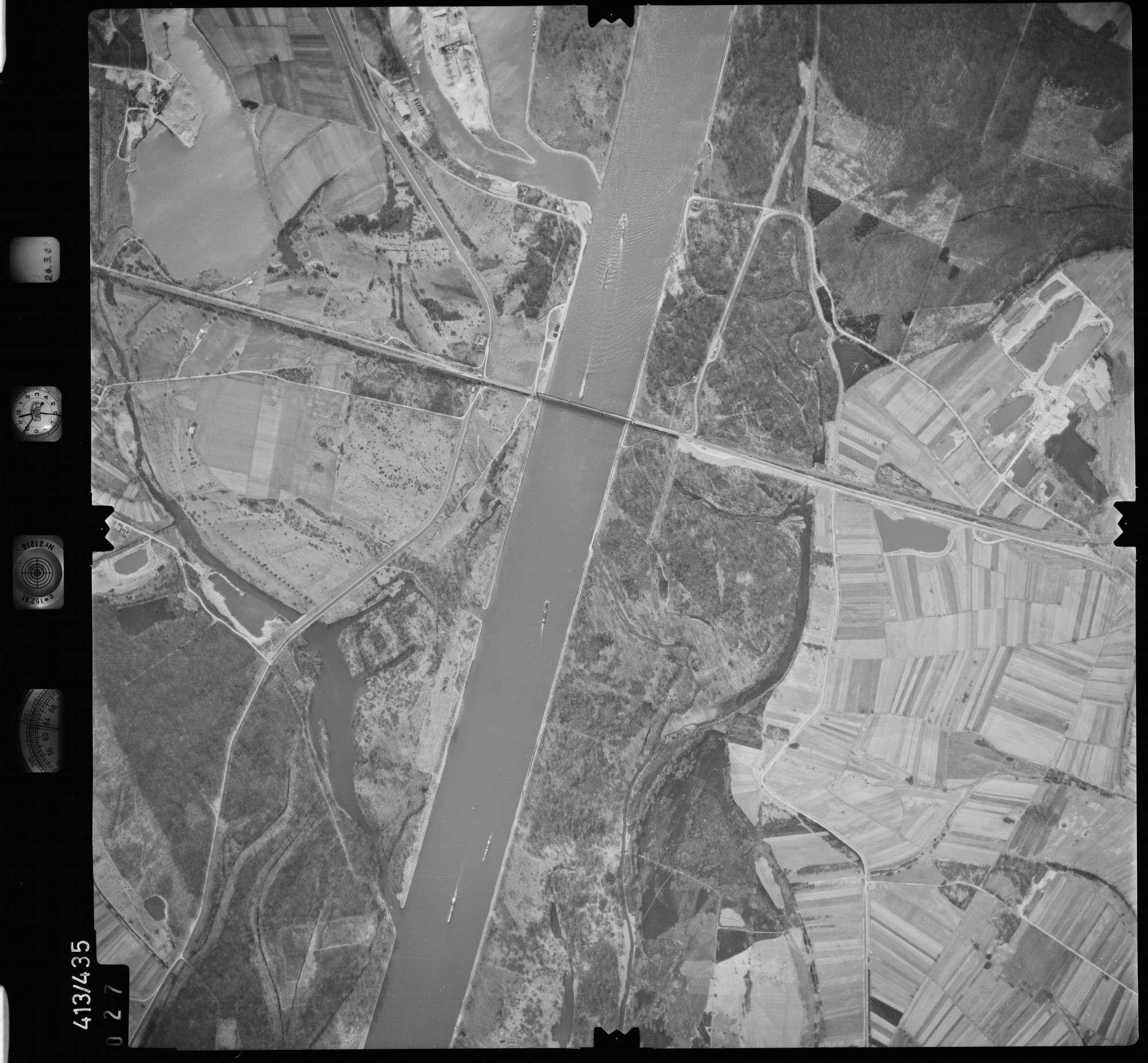 Luftbild: Film 8 Bildnr. 27, Bild 1