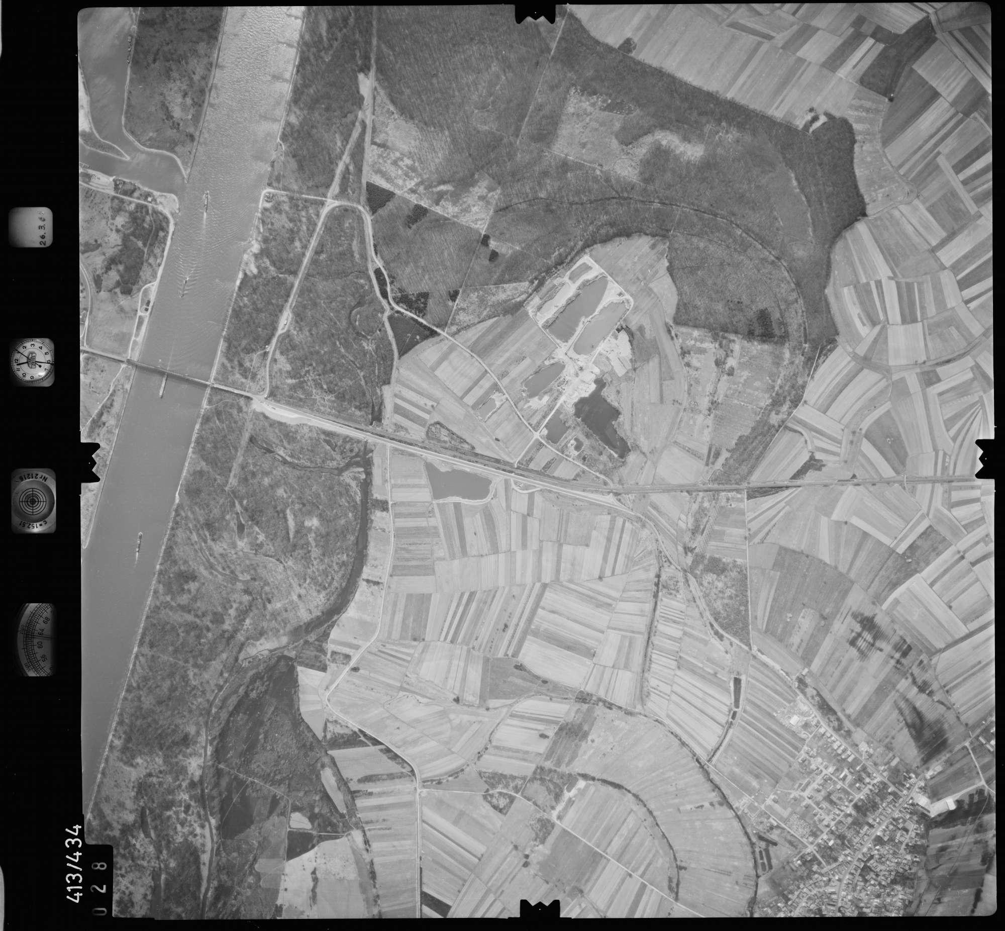 Luftbild: Film 8 Bildnr. 28, Bild 1