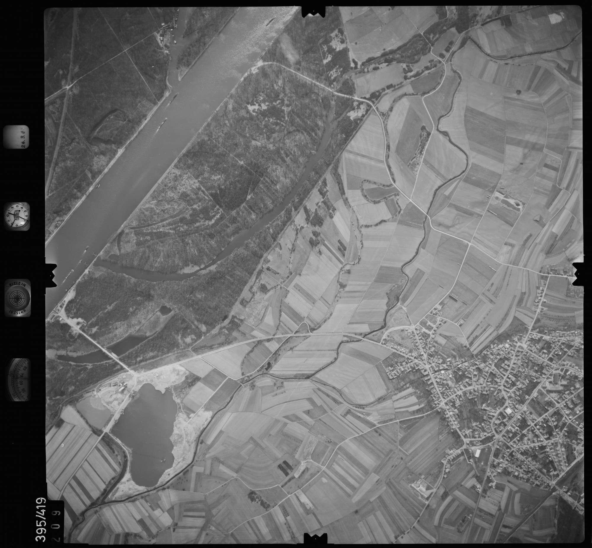 Luftbild: Film 8 Bildnr. 209, Bild 1