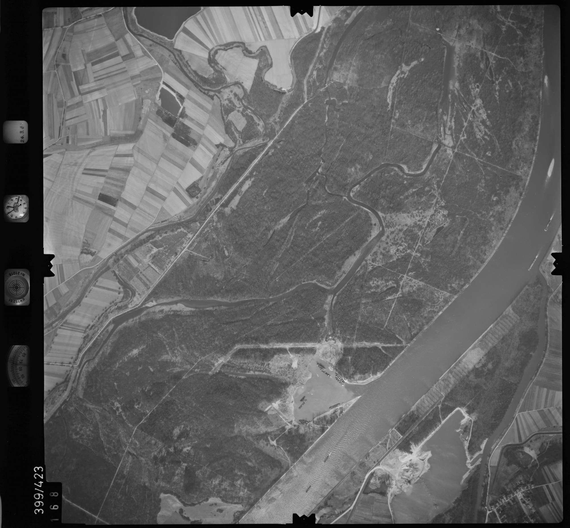 Luftbild: Film 8 Bildnr. 168, Bild 1