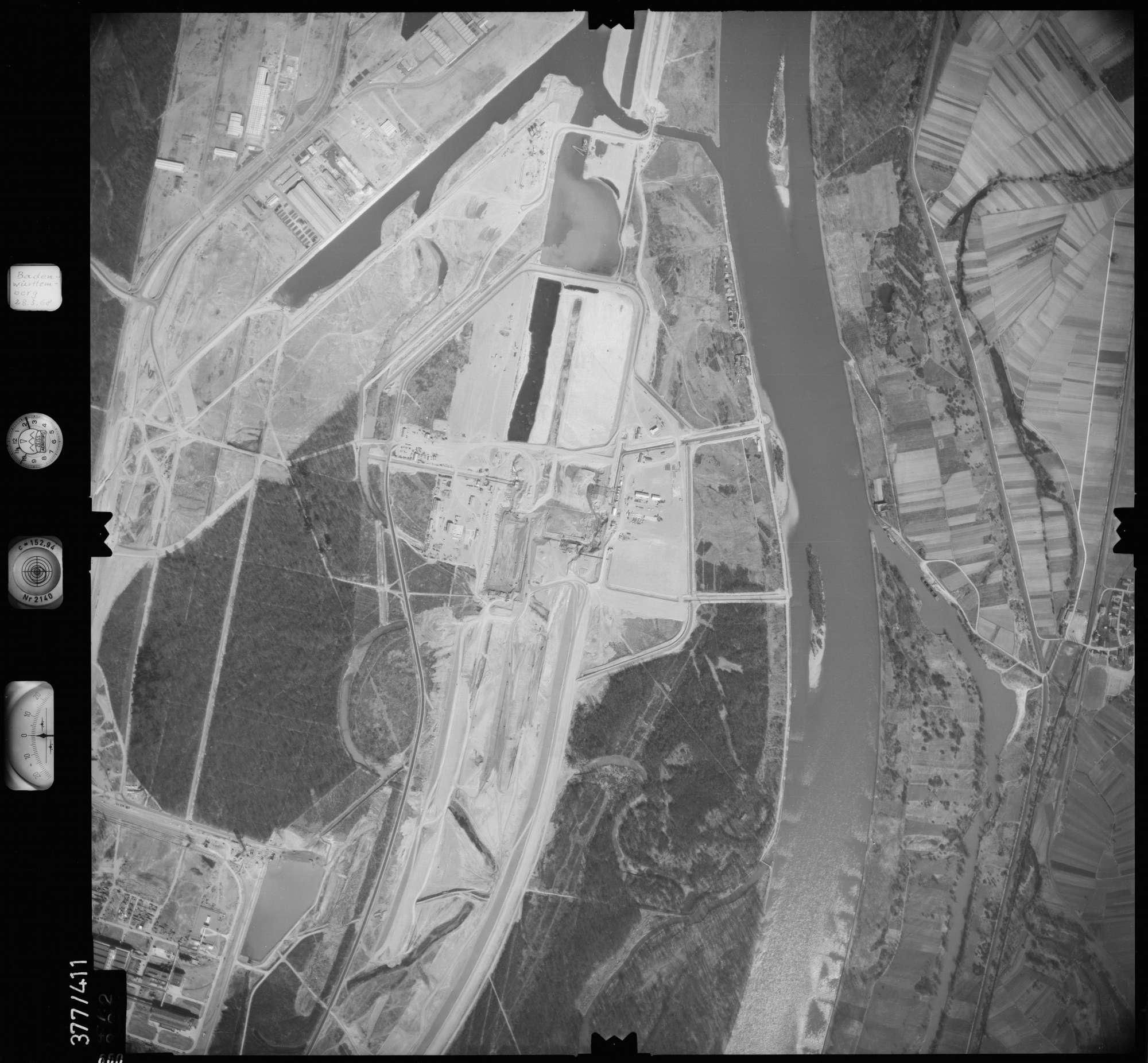 Luftbild: Film 24 Bildnr. 660, Bild 1
