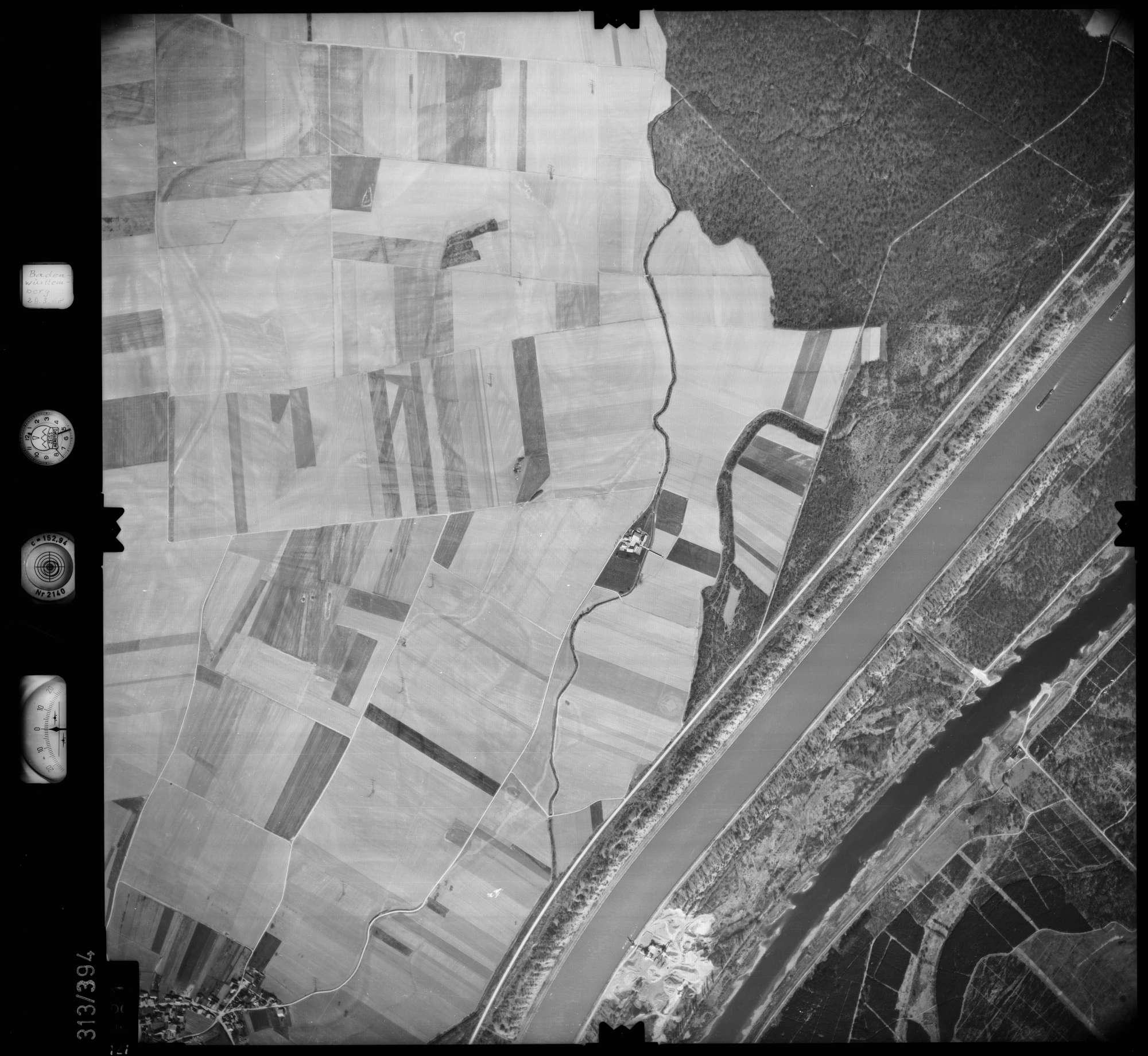Luftbild: Film 54 Bildnr. 121, Bild 1