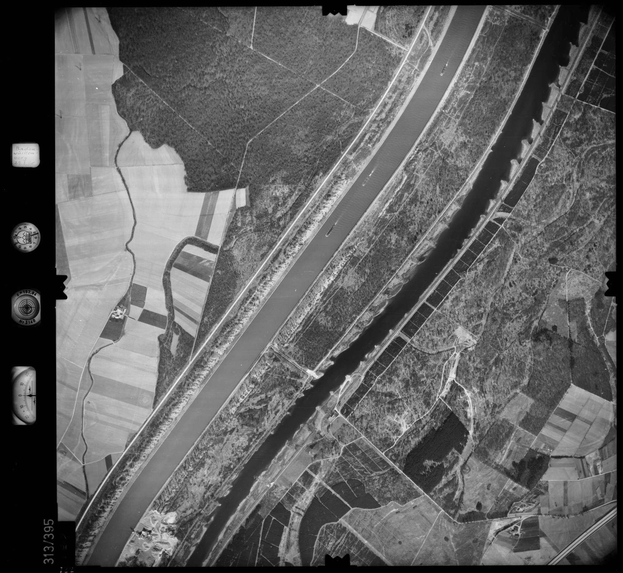 Luftbild: Film 54 Bildnr. 122, Bild 1