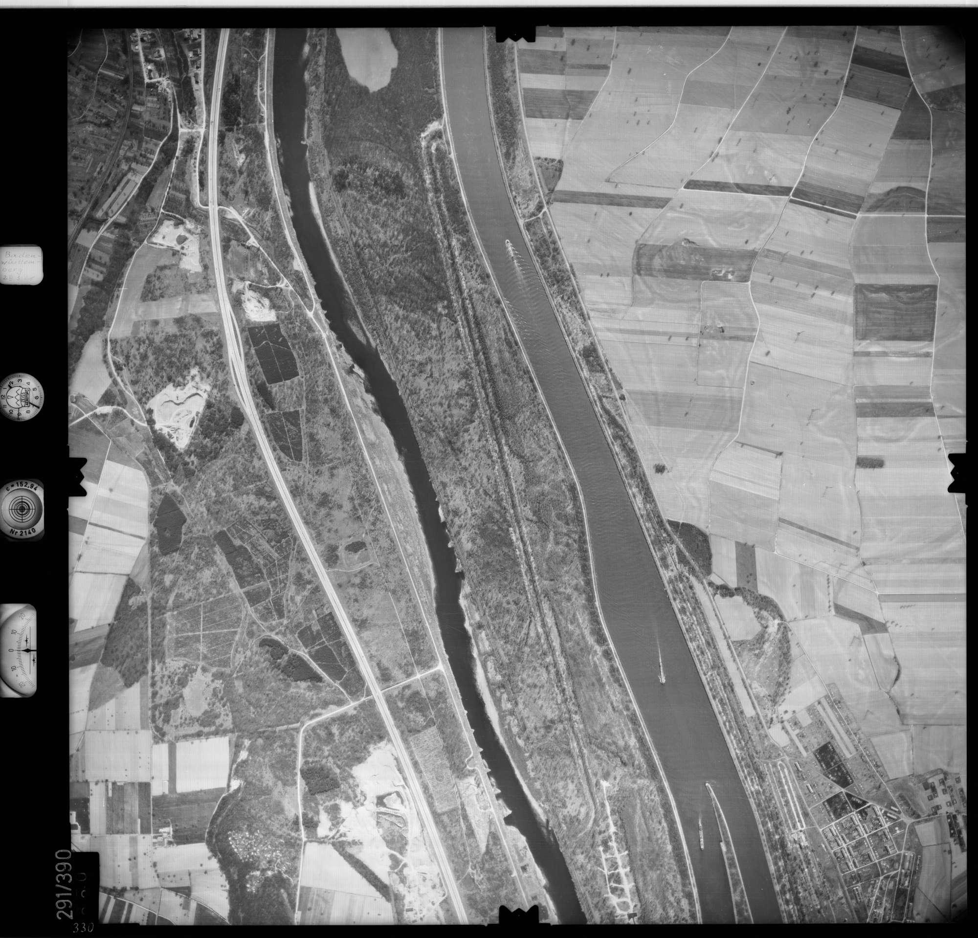 Luftbild: Film 71 Bildnr. 330, Bild 1