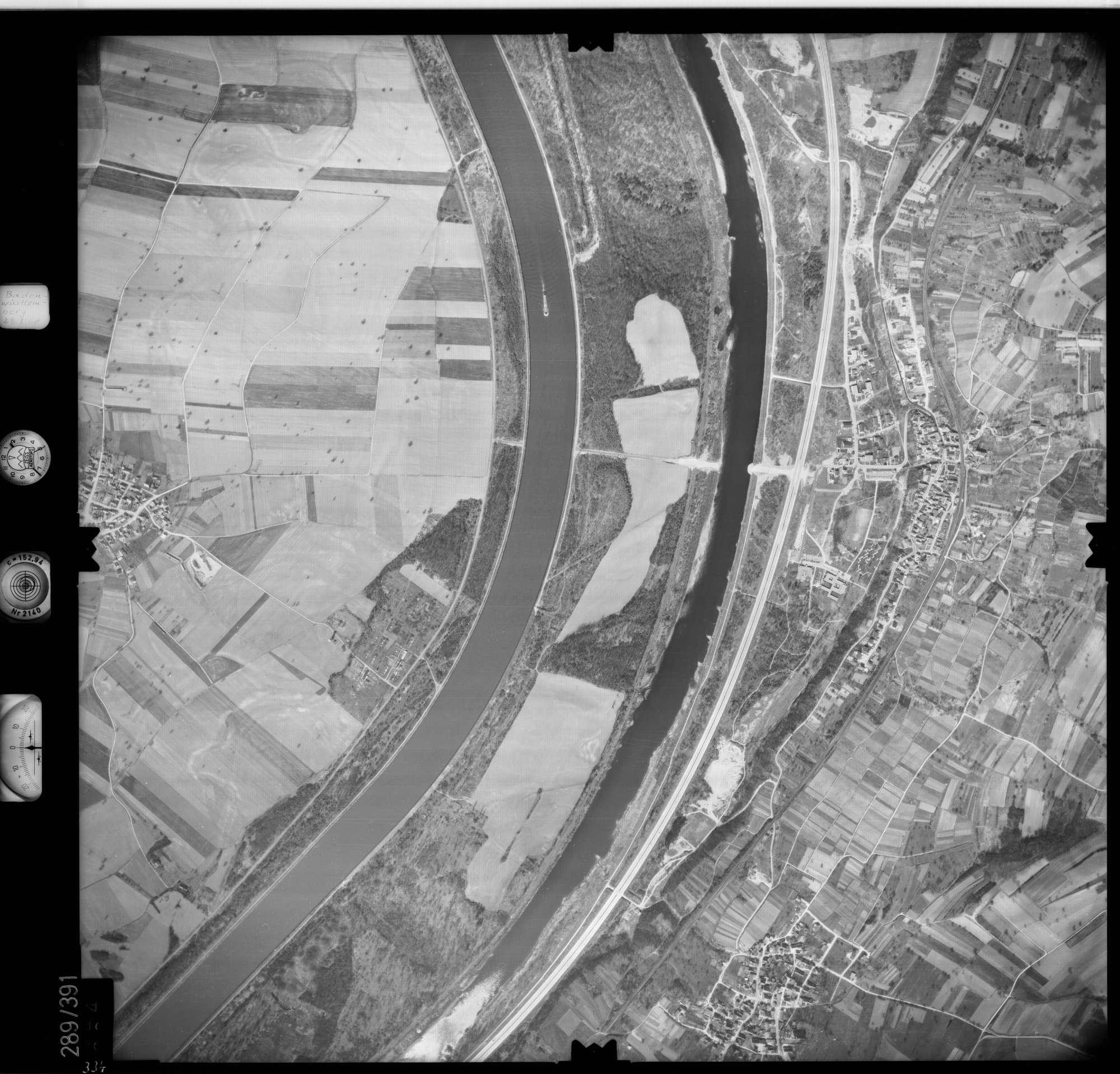 Luftbild: Film 71 Bildnr. 334, Bild 1