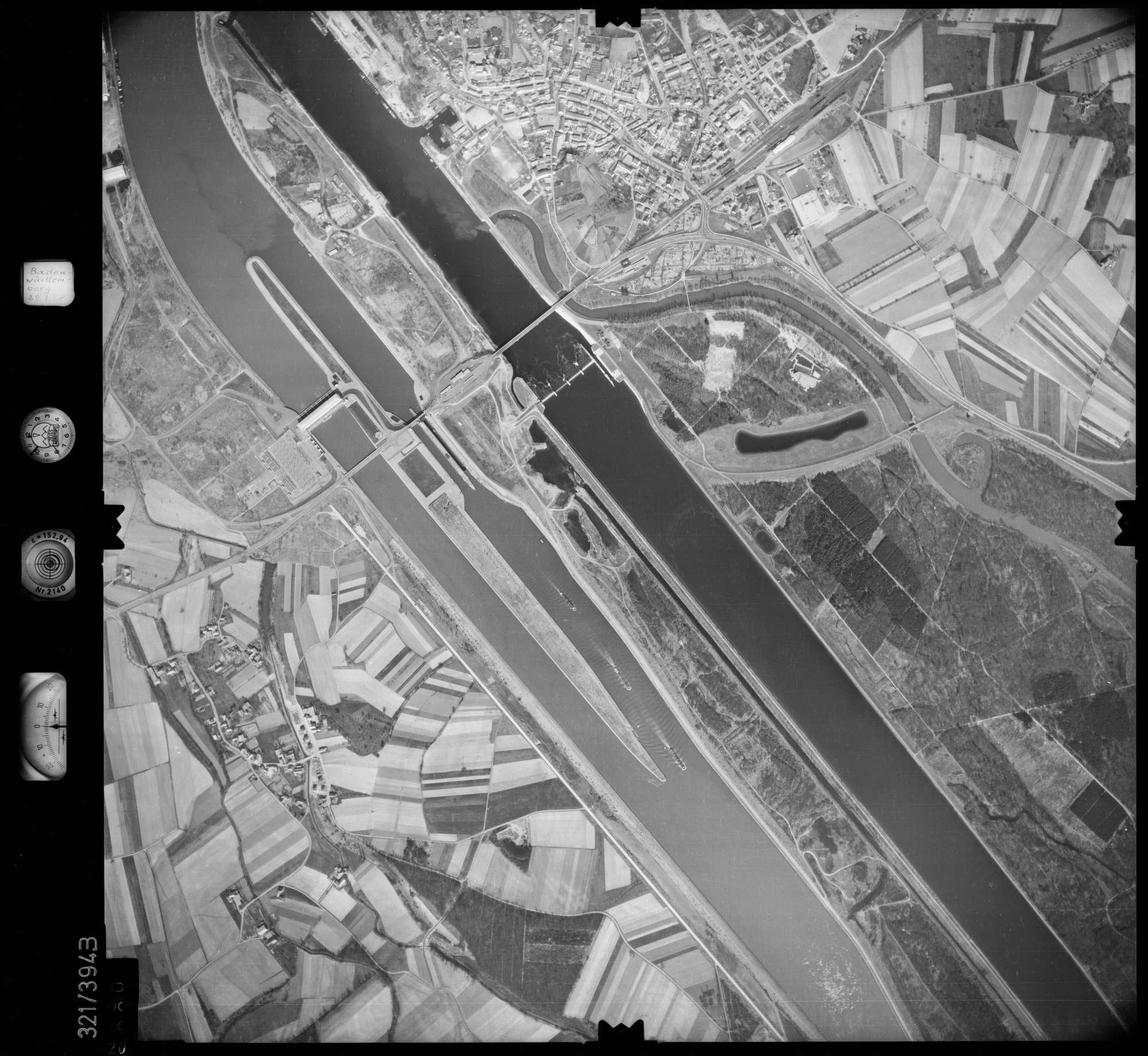 Luftbild: Film 54 Bildnr. 20, Bild 1