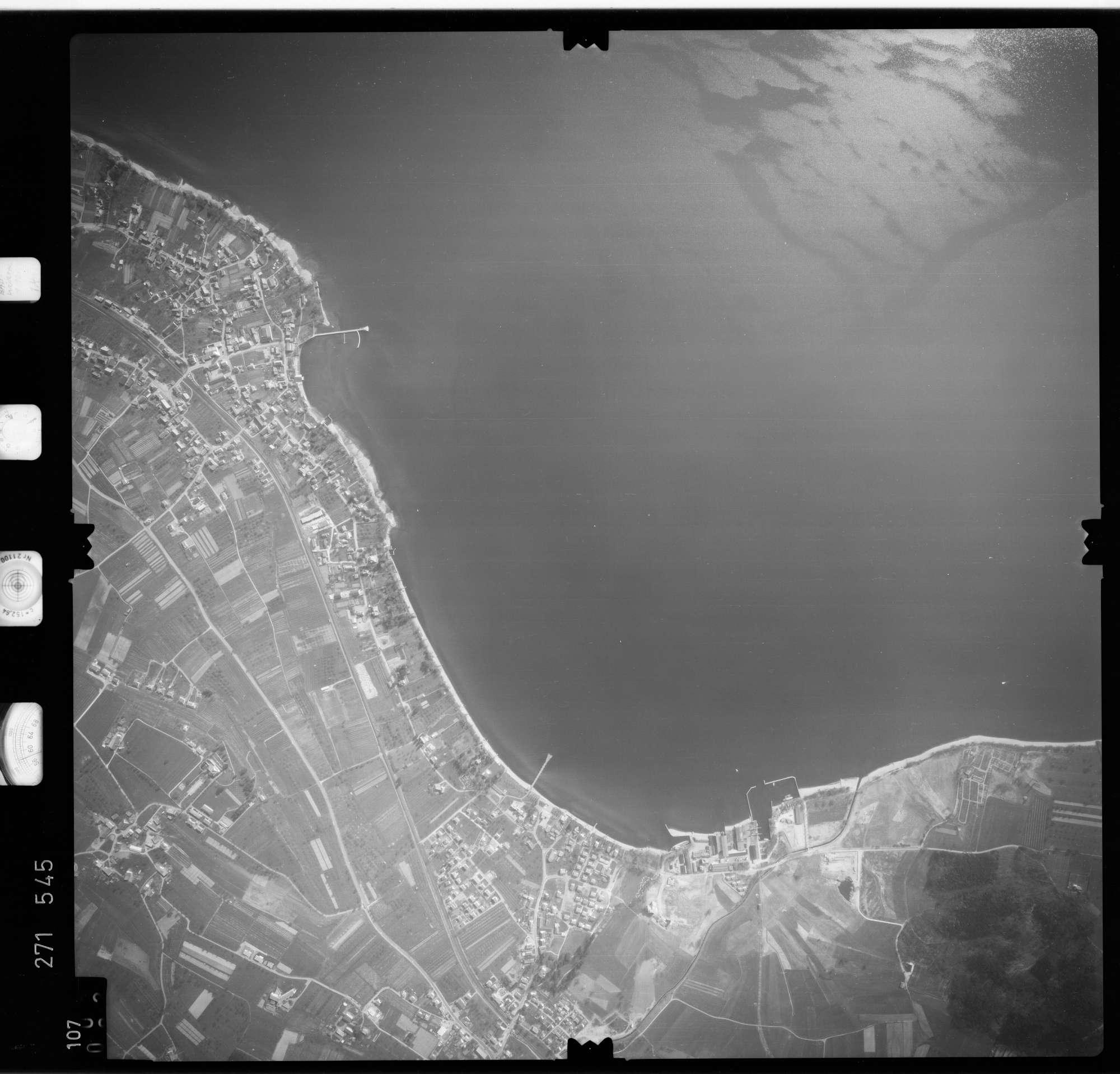 Luftbild: Film 74 Bildnr. 107, Bild 1
