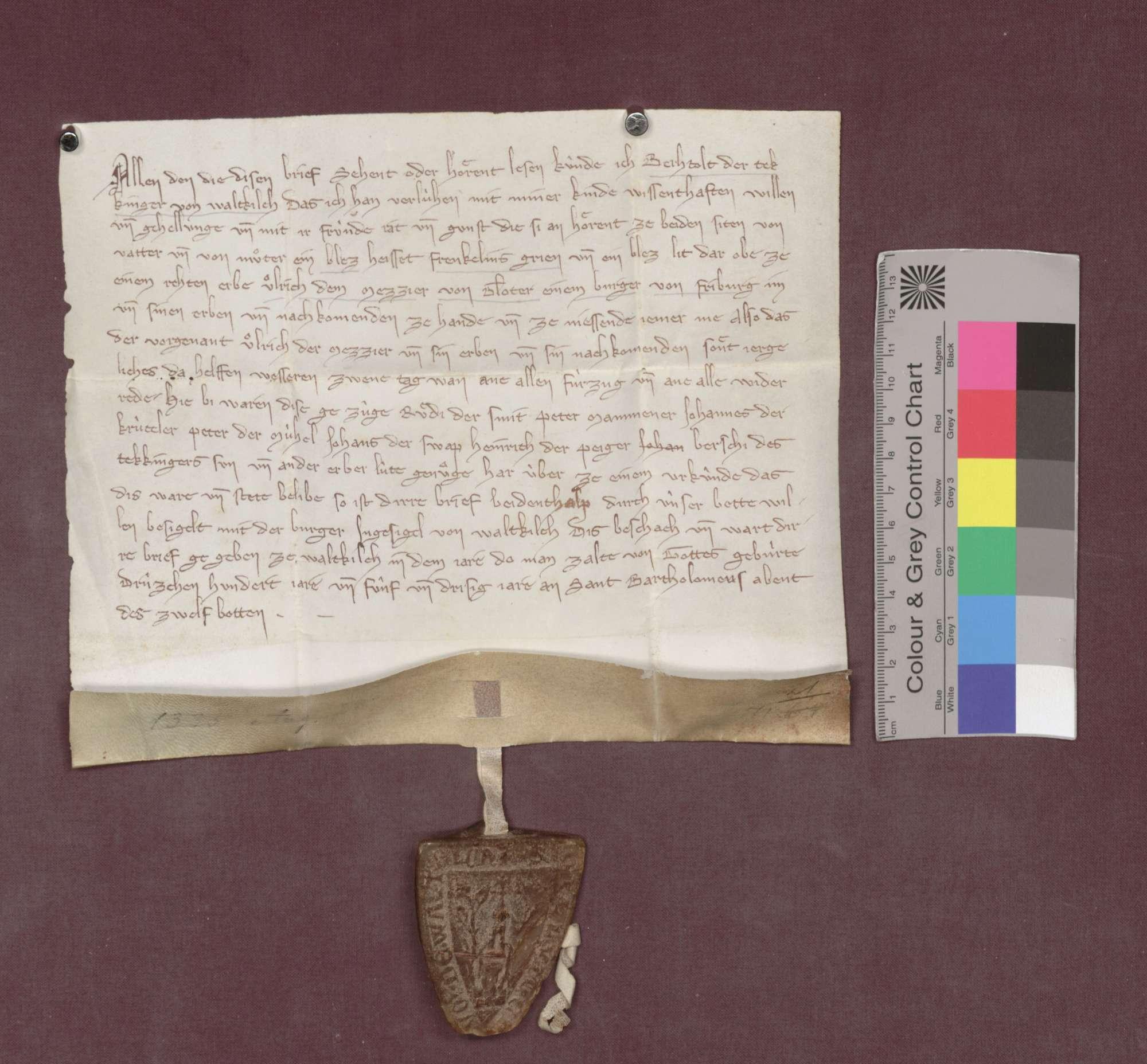 Berthold der Tekkinger von Waldkirch verleiht an Ulrich den Metzger von Gloter, Bürger zu Freiburg, zwei Grundsstücke zu Denzlingen als Erblehen., Vorderseite