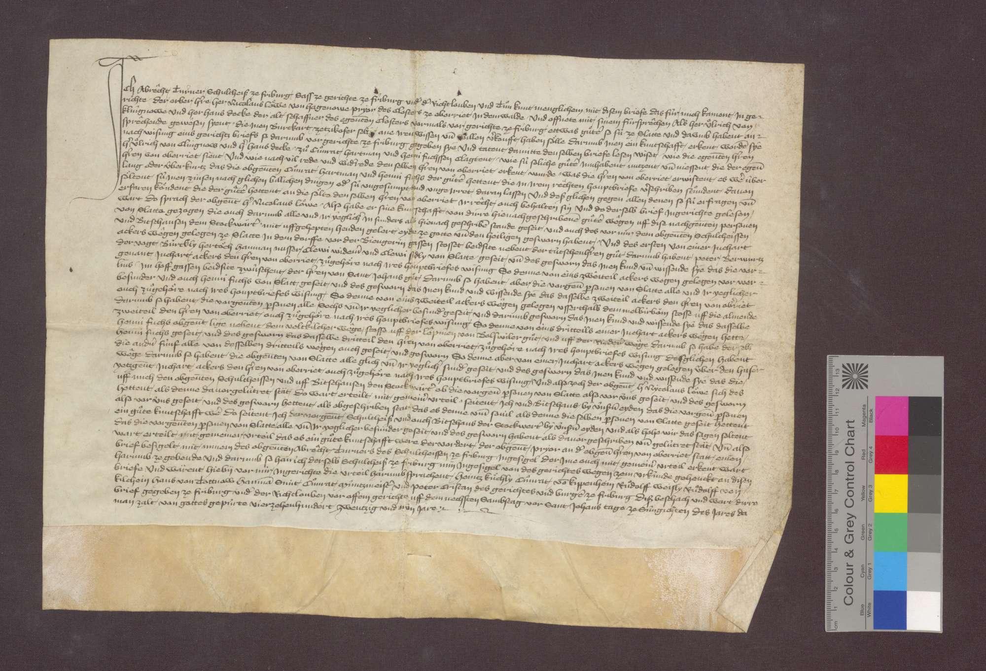 Das Gericht zu Freiburg spricht auf die nach dem Urteilsspruch von 1428 Juni 15 (GLA 22 Nr. 278) eingeholten Kundschaften hin den zwischen Hartmann von Feldkirch und Henni Fuchs einerseits und dem Kloster Oberried im Wald andererseits strittigen Zins von Gütern zu Schlatt dem Kloster zu., Bild 1