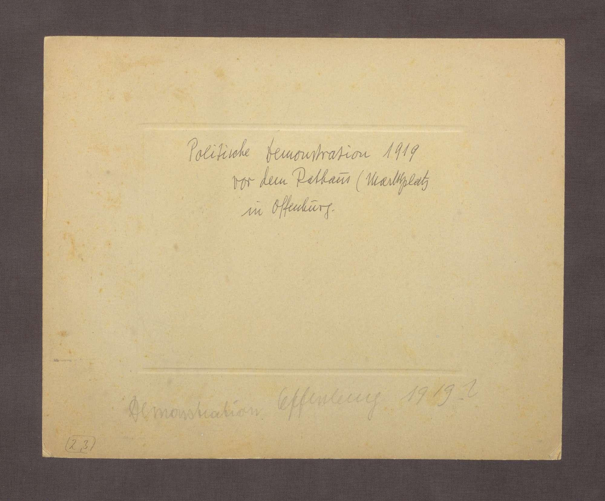 """Volksversammlung am 27. Juli 1926 auf der Hauptstraße in Offenburg: """"Proletarier aller Länder vereinigt Euch"""", Bild 3"""