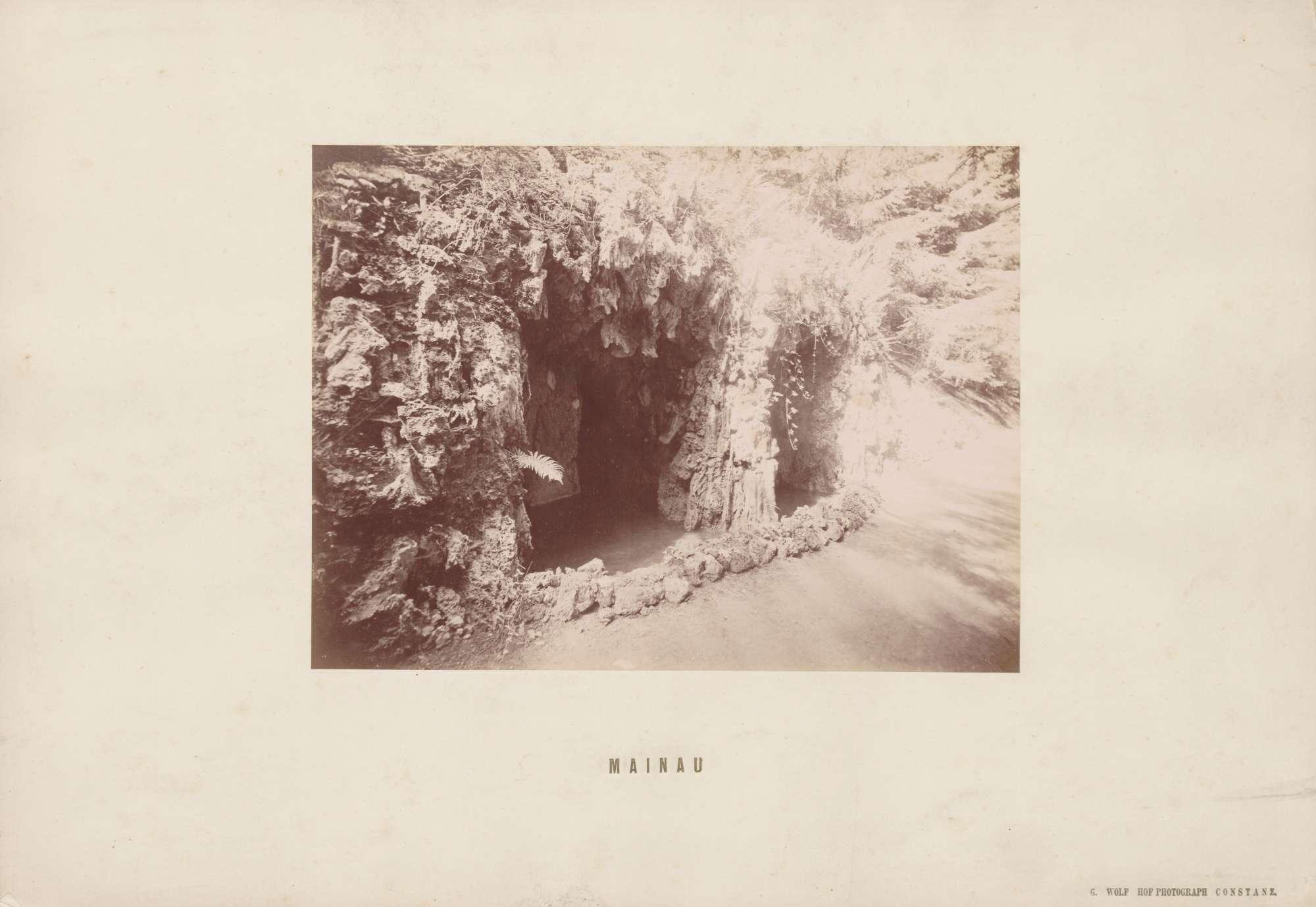 Eingang zu einer Grotte., Bild 1
