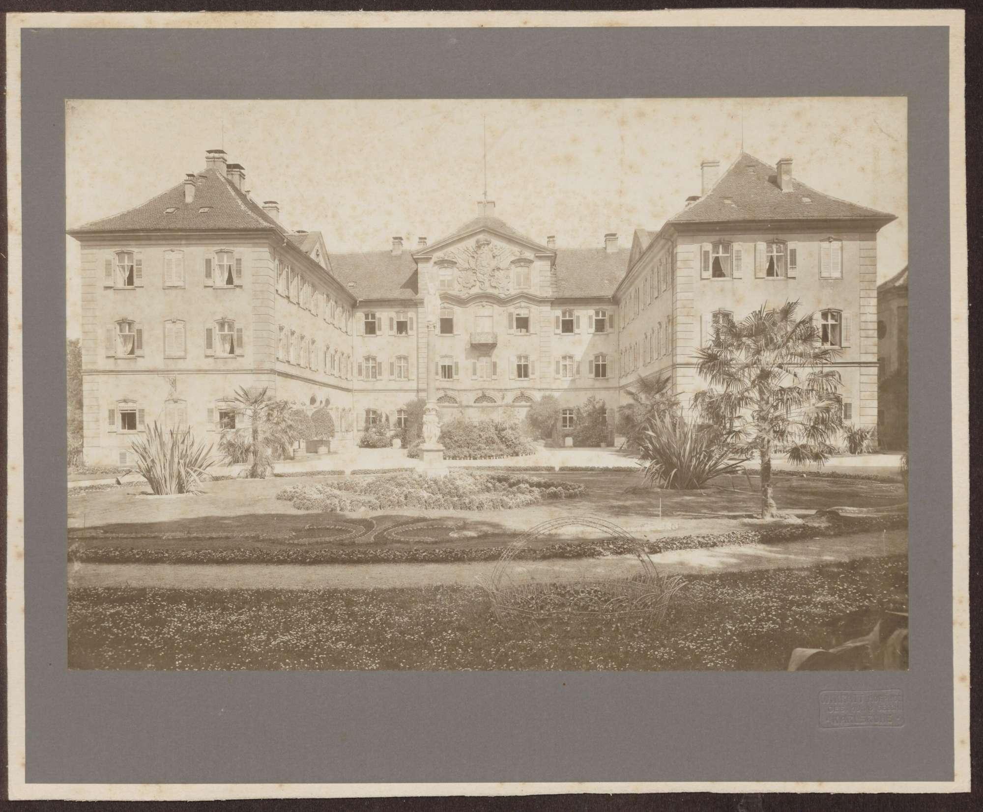 Gesamtansicht des Schlosses., Bild 1