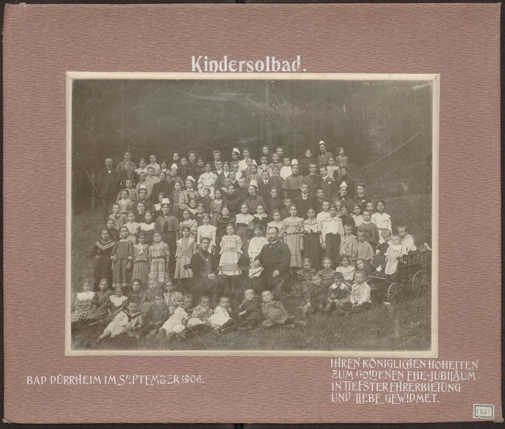 Kinder und Pflegepersonal., Bild 1