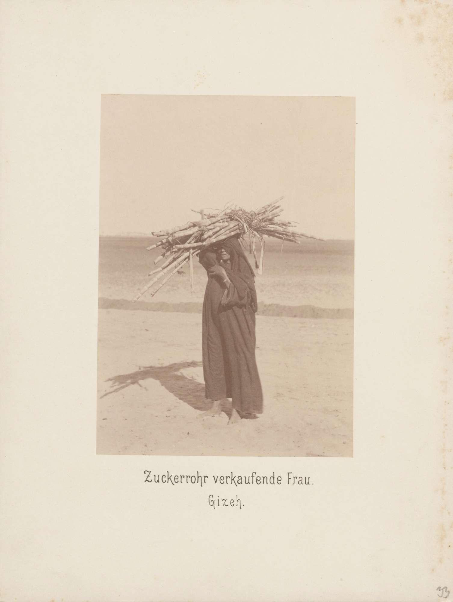 Zuckerrohr verkaufende Frau in Gizeh in Ägypten, Bild 1