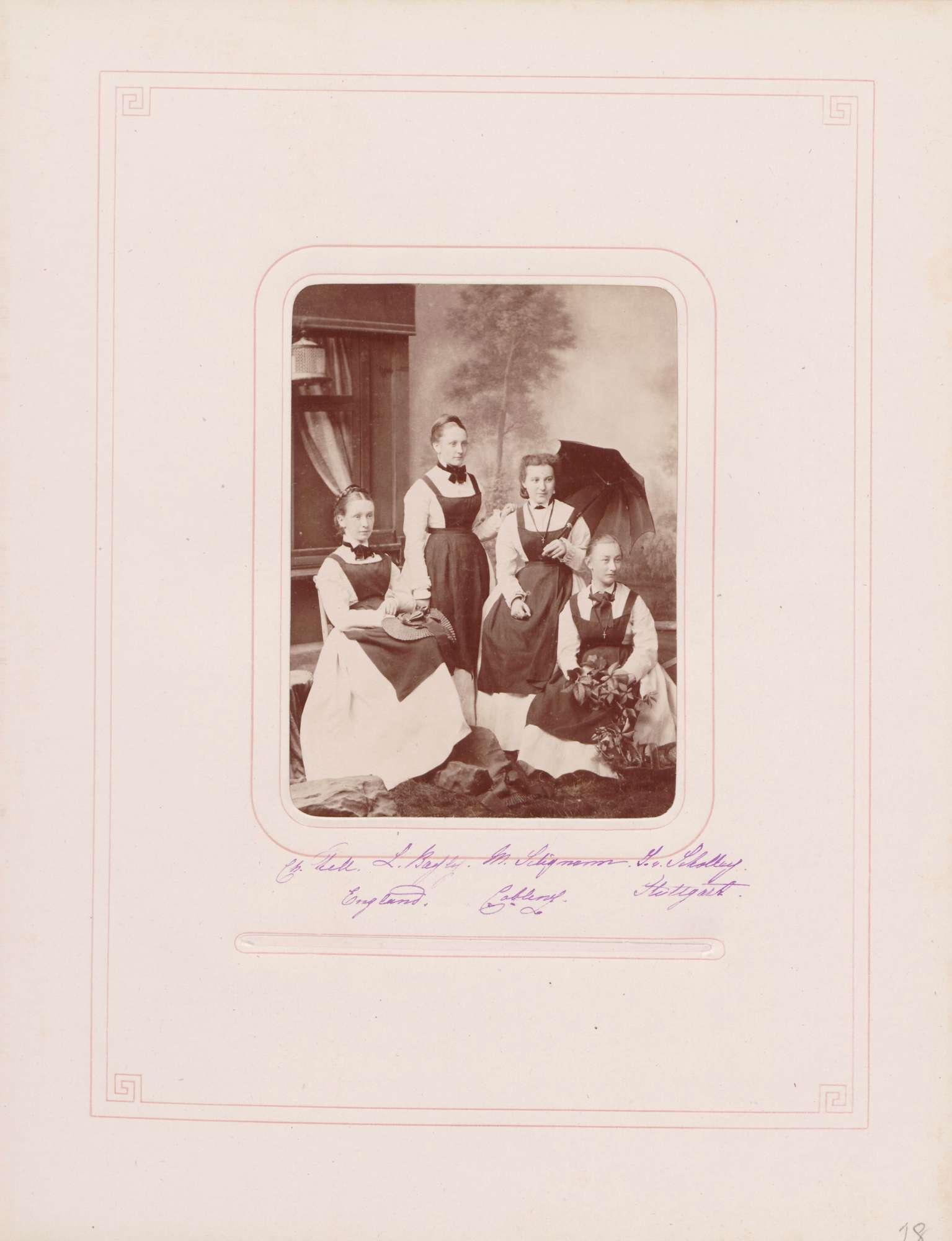 Schülerinnen Christine Tell aus Lancashire, Lizzie Bayhof aus Irland, Marie Seligmann aus Koblenz und Josephine von Scholley aus Stuttgart [im Großherzoglichen Institut Mannheim], Bild 1