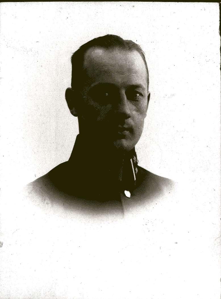 Hauptmann Buch, Bild 1