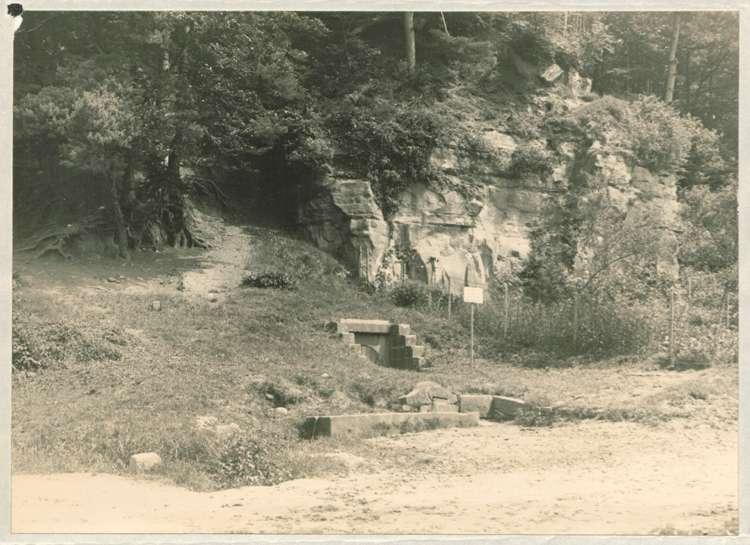 Errichtung eines Kriegerdenkmals in Kuhbach, Bild 1
